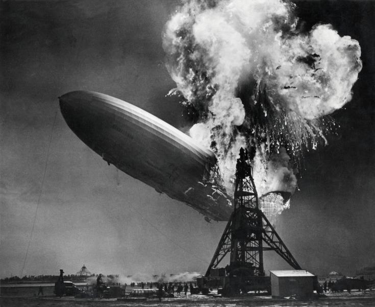Hindenburg_disaster.jpg