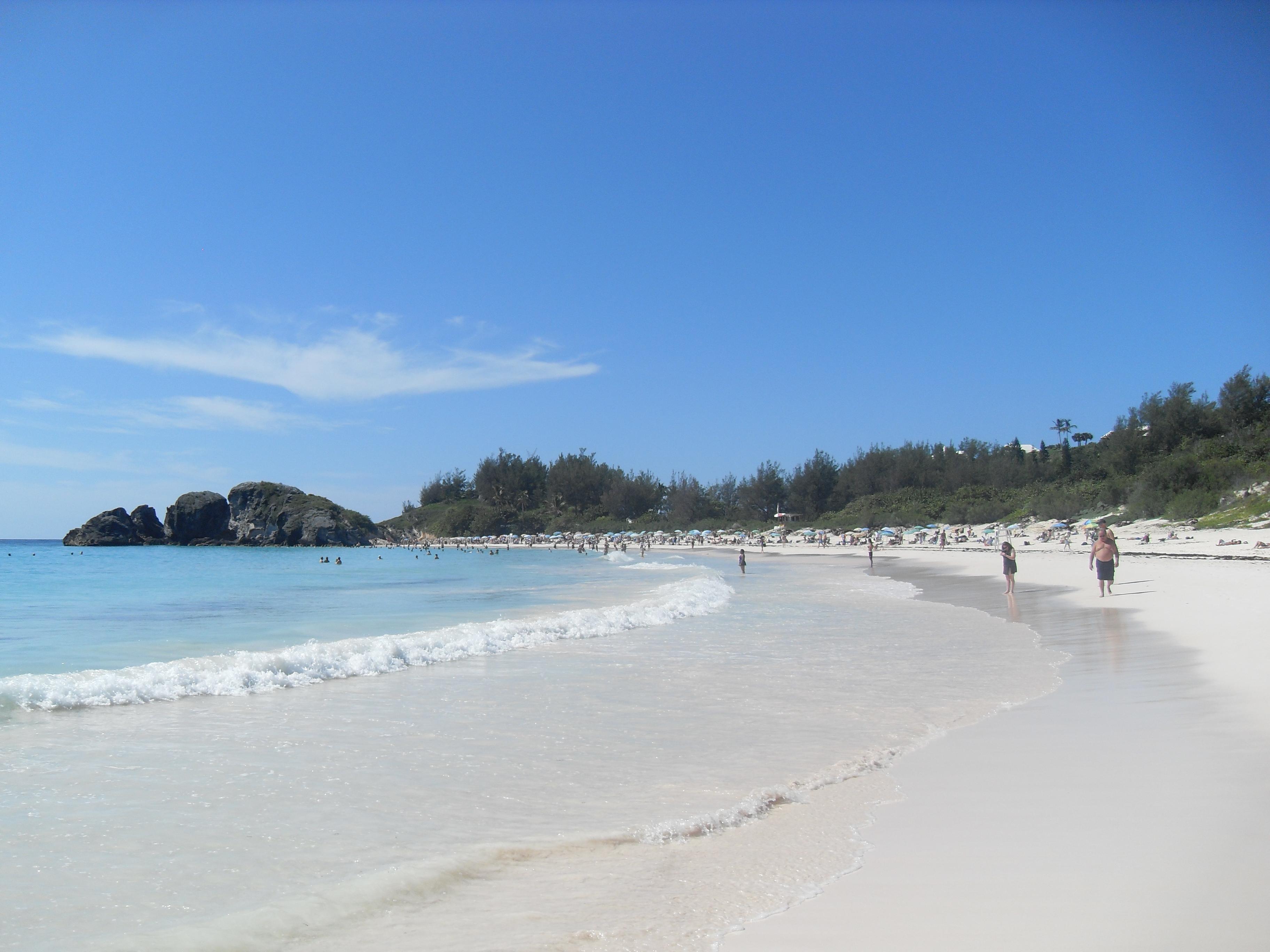 Horseshoe bay Bermuda wikimedia image