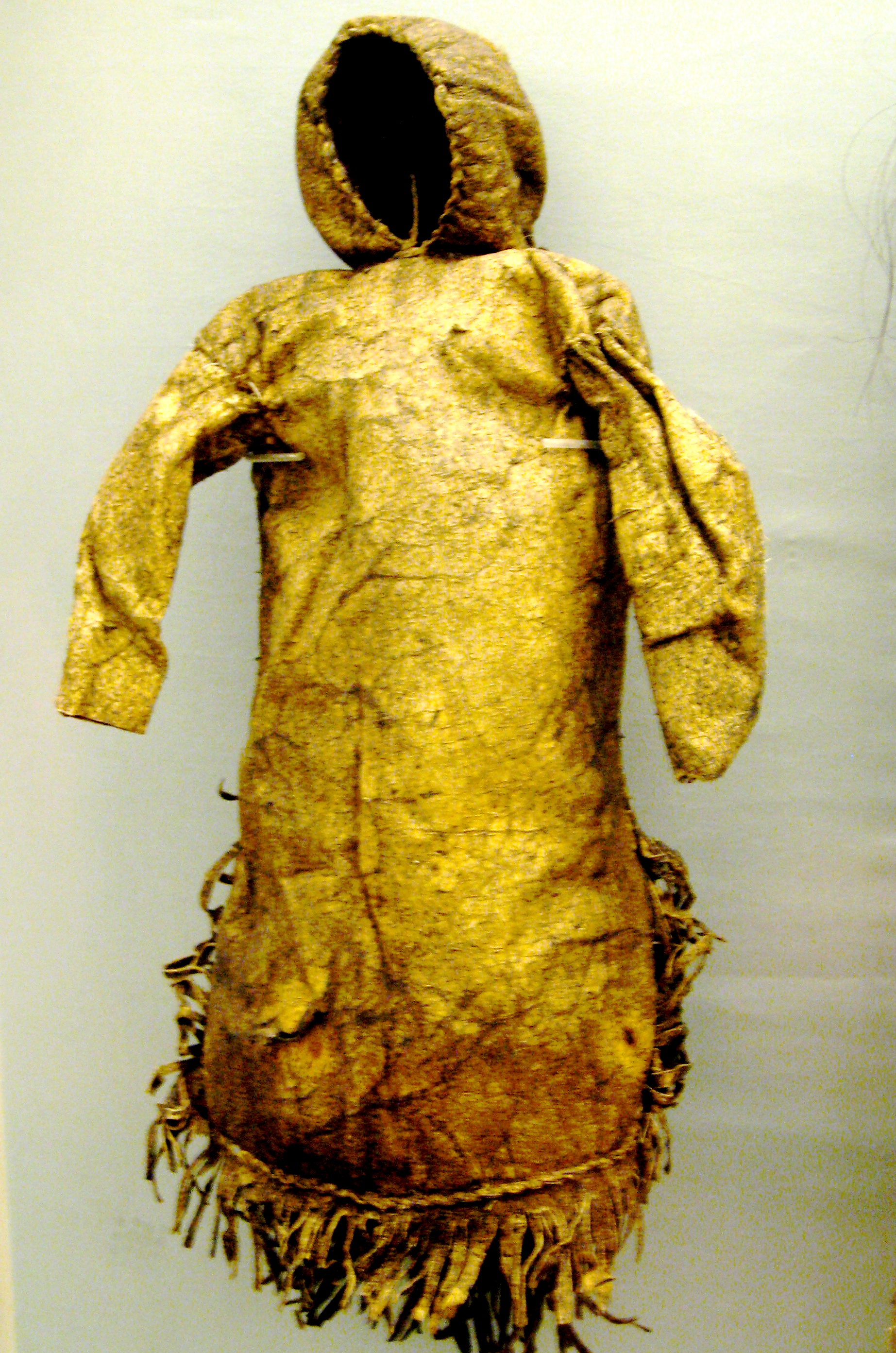 http://upload.wikimedia.org/wikipedia/commons/1/1c/Inuit_doll.JPG
