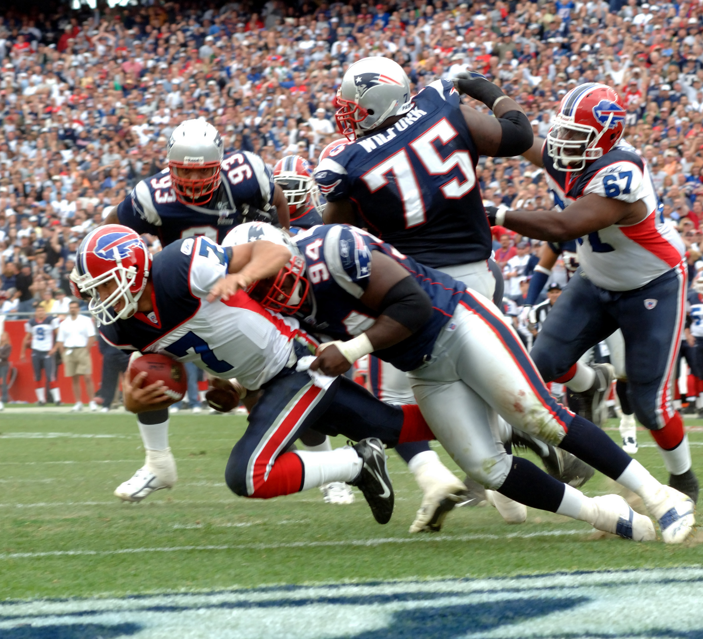 J.P._Losman_tackled_in_the_end_zone_by_T
