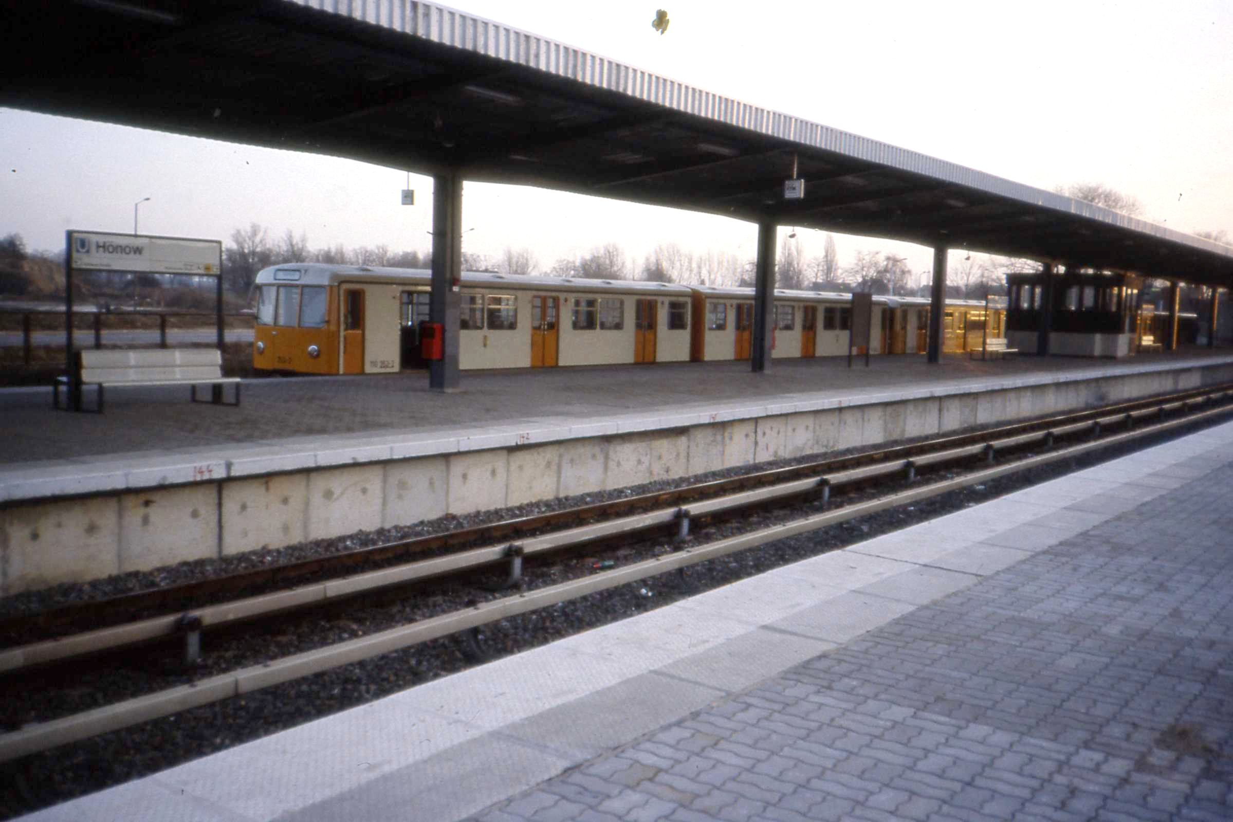 file linie u5 endstation h now u bahnhof berlin ddr jan wikipedia. Black Bedroom Furniture Sets. Home Design Ideas