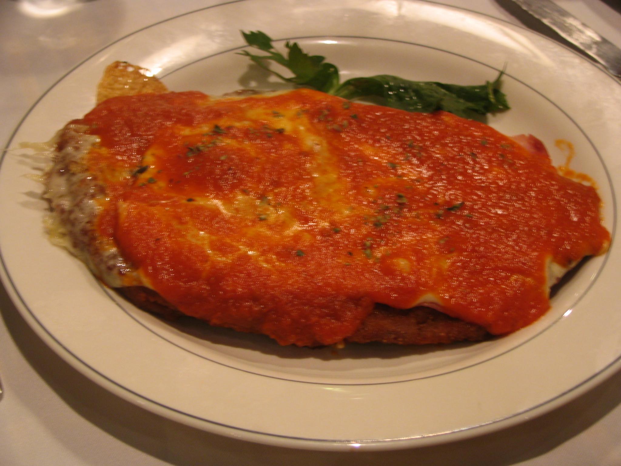 File milanesa napolitana 2 jpg wikimedia commons for Argentinian cuisine history