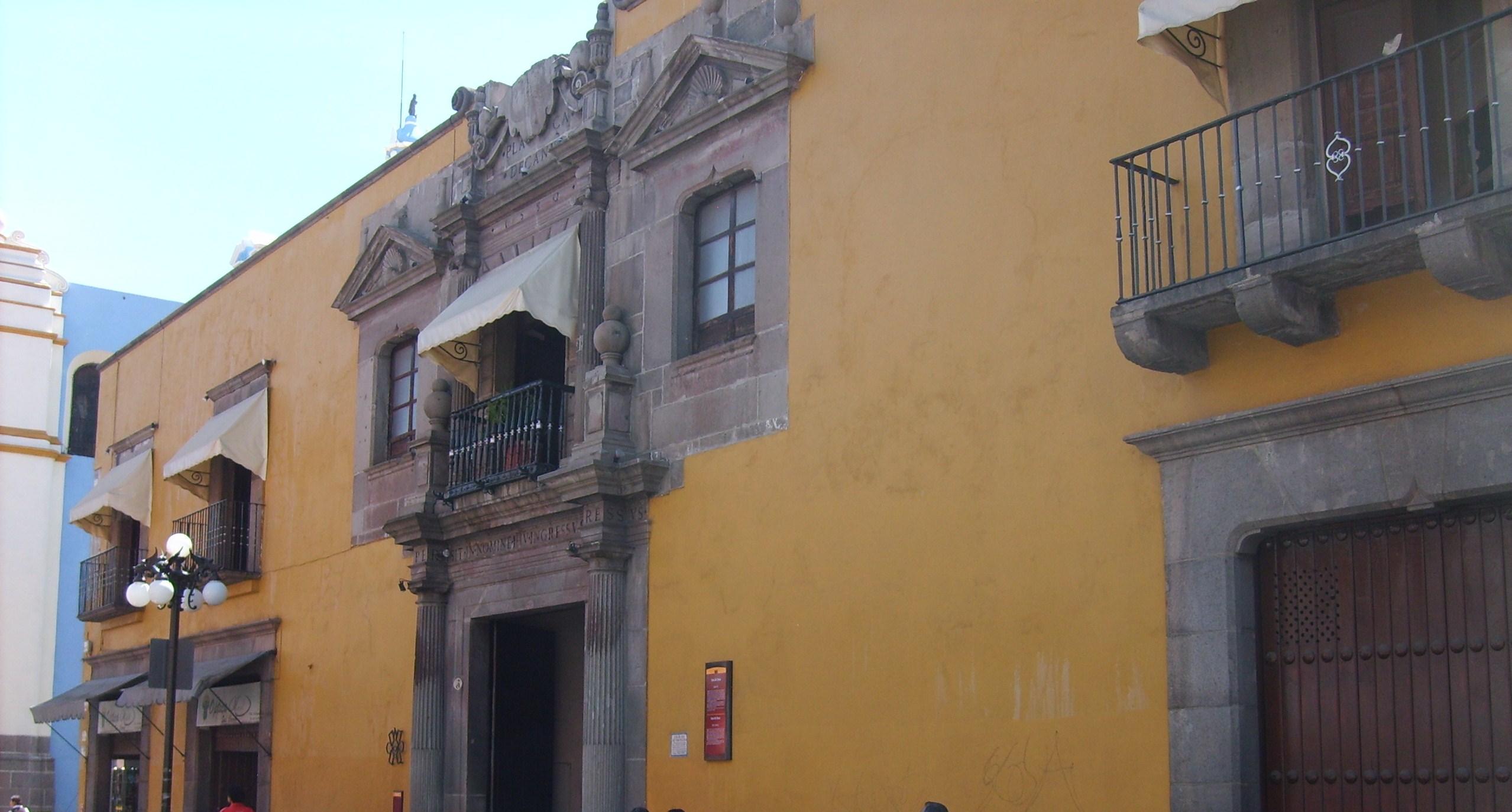 File museo casa del dean jpg wikimedia commons for Casa mansion puebla