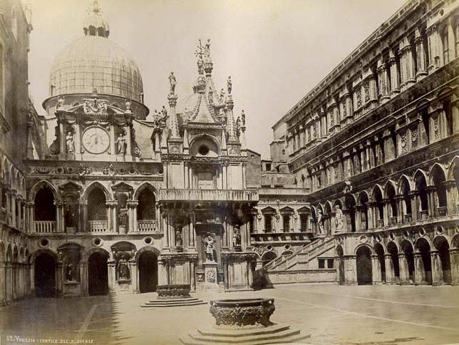 Naya, Carlo (1816-1882) - n. 062 - Venezia - Cortile del palazzo Ducale