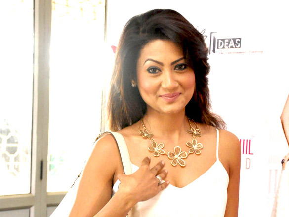 Nigaar Khan - Wikipedia