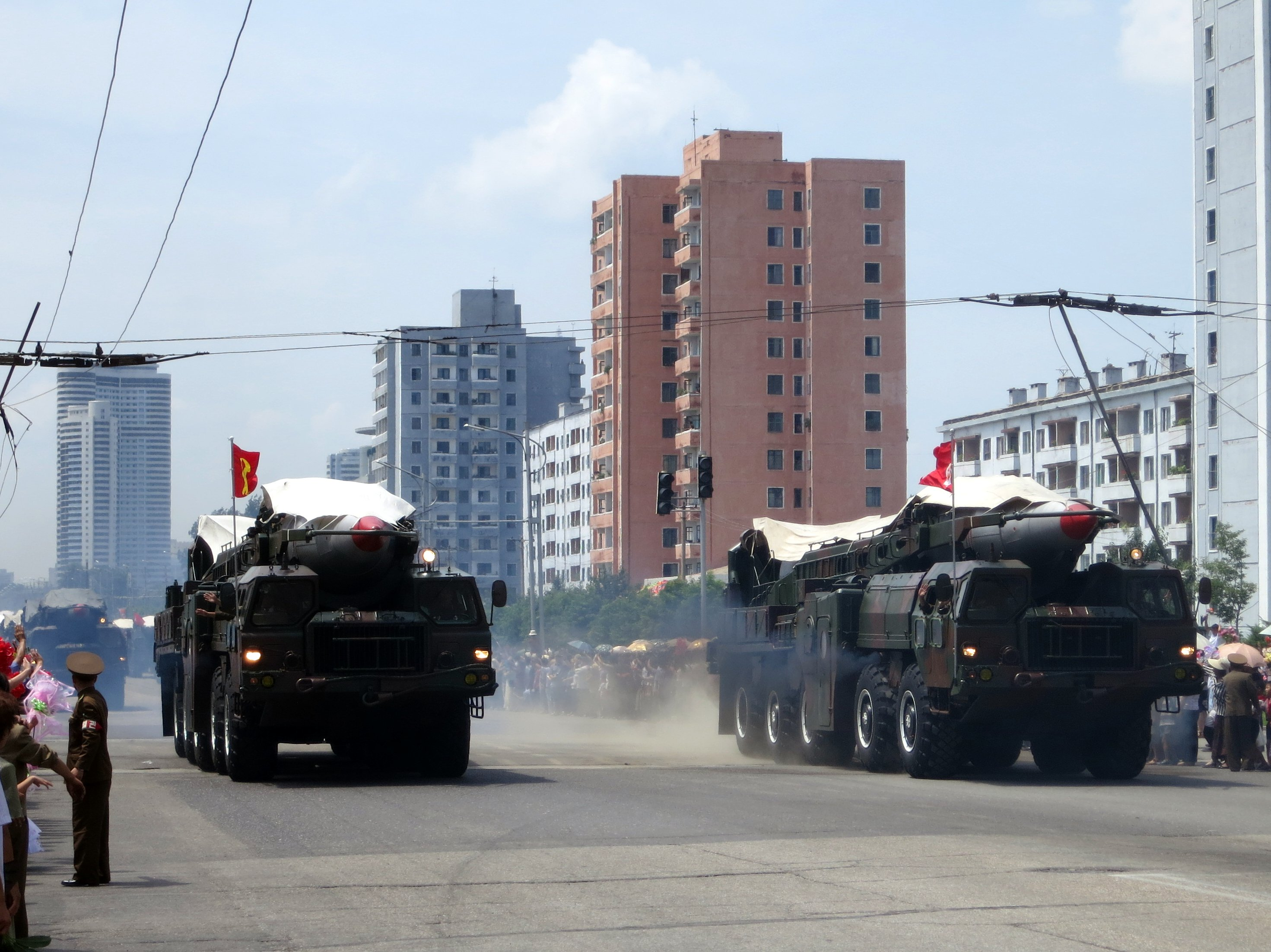 https://upload.wikimedia.org/wikipedia/commons/1/1c/North_Korea%27s_ballistic_missile_-_North_Korea_Victory_Day-2013_02.jpg