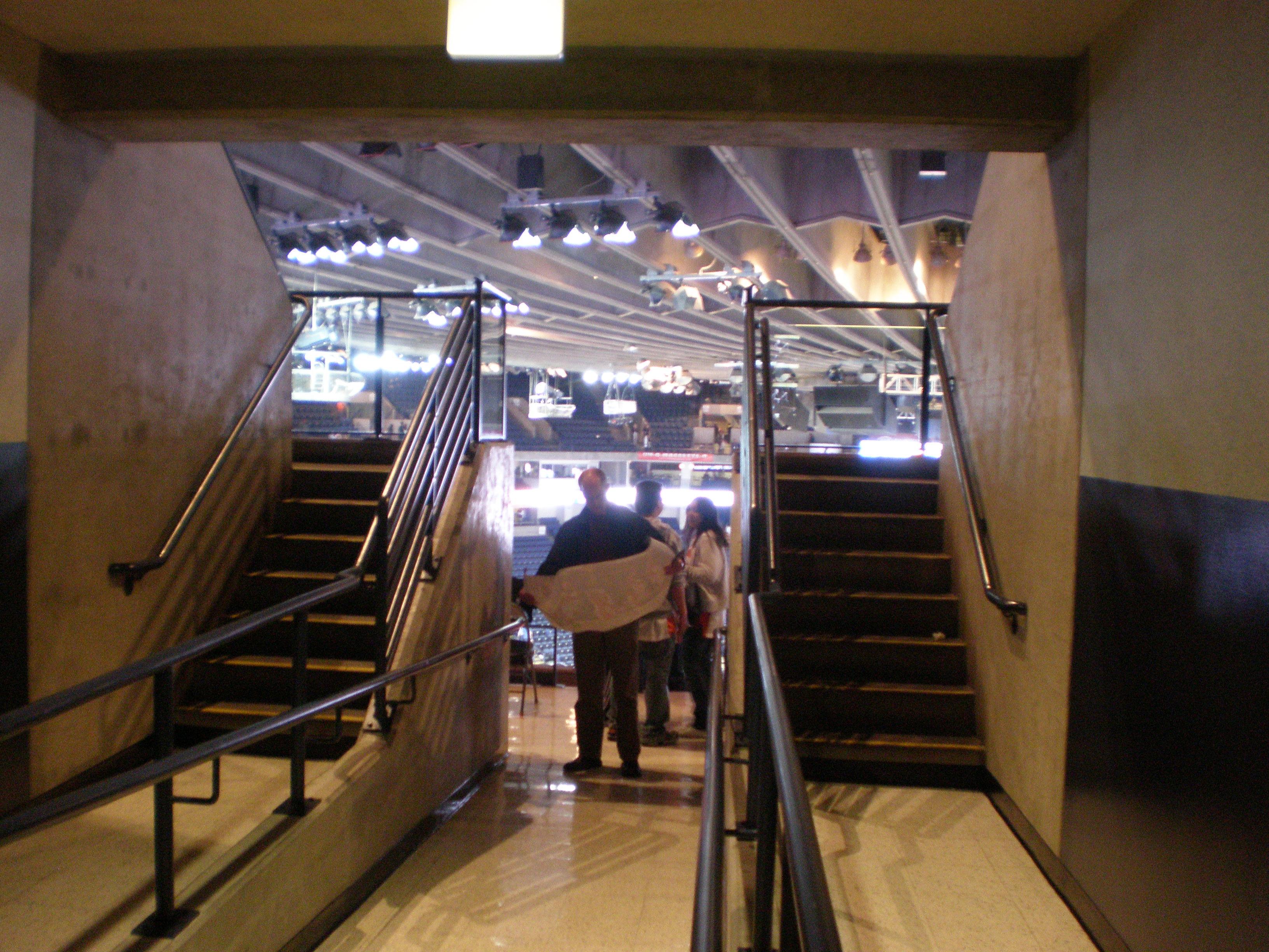 File:Oracle Arena 2nd Floor Entrance To Bleachers 1.JPG