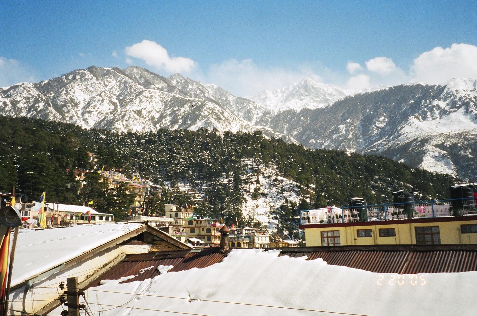 filepanoramic view of mcleod ganj during winters 2005