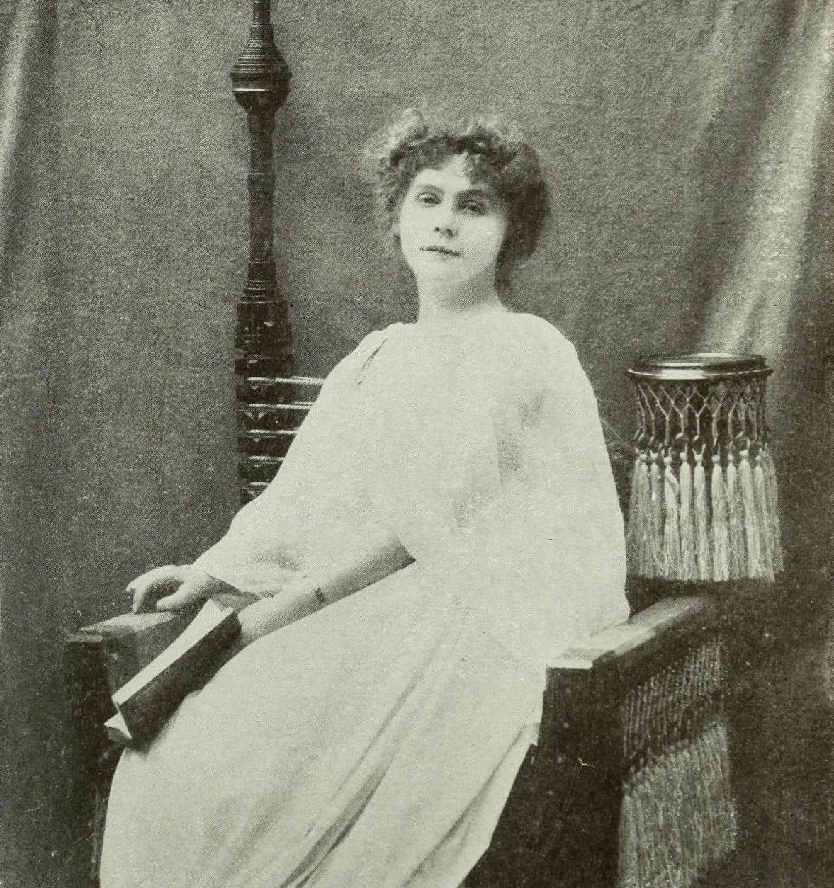 Portrait of Marie Corelli.jpg