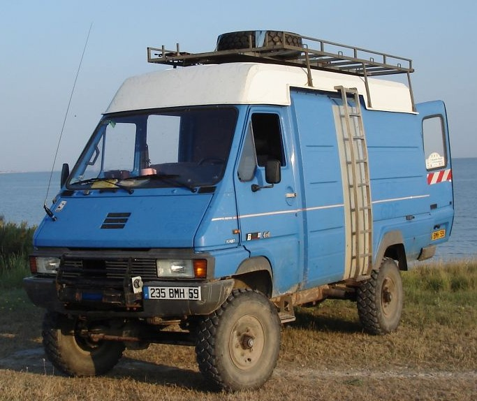 File Renault B90 4x4 Jpg Wikimedia Commons