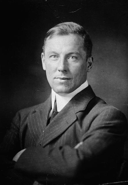Photo of Robert W. Service