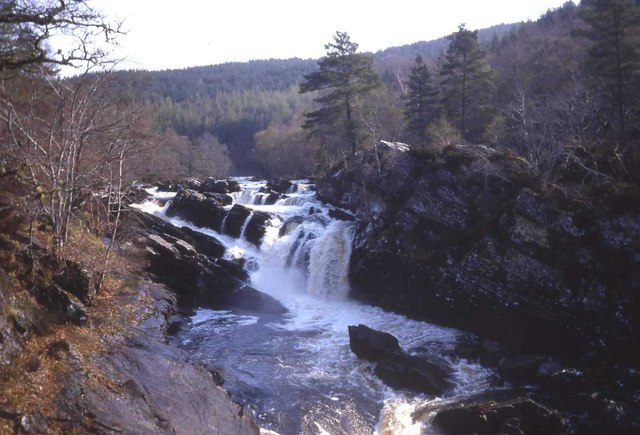 Rogie Falls - geograph.org.uk - 472822