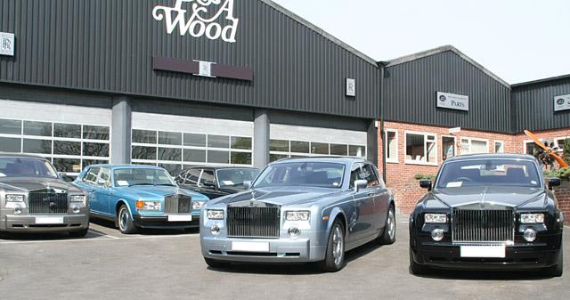 Rolls Royce Dealers >> File Rolls Royce Dealership Forecourt Geograph Org Uk