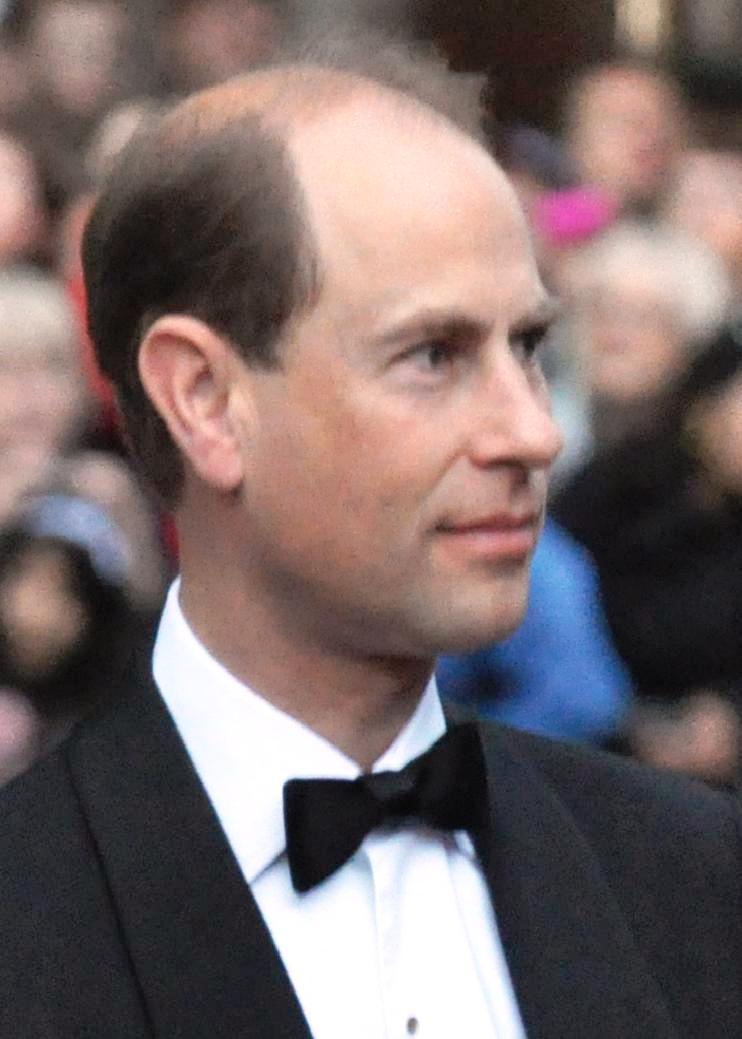 Foto di Queen Elizabeth II  & il suo Figlio  Edward