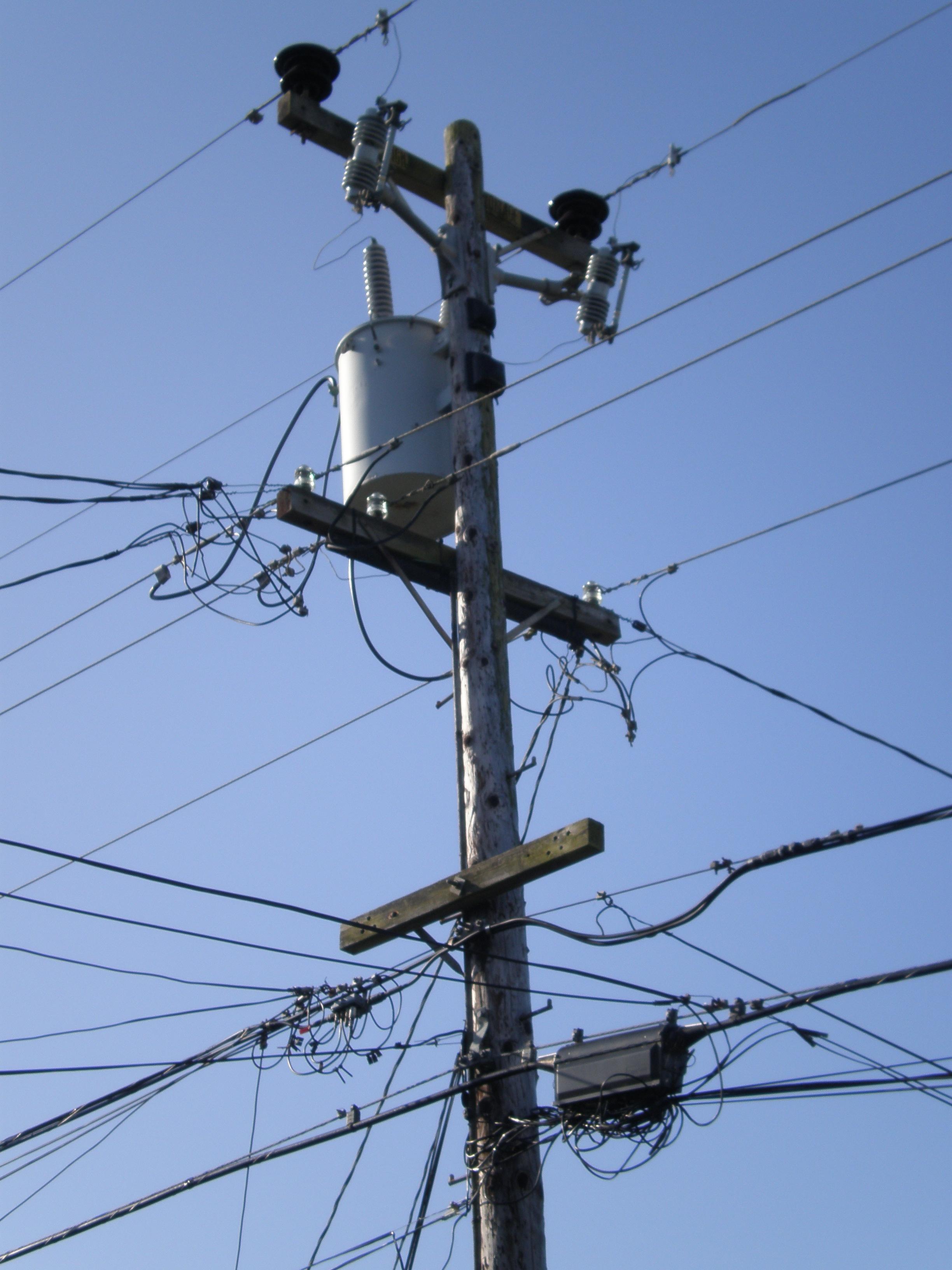 File:SSF utility pole 1 front.JPG - Wikimedia Commons