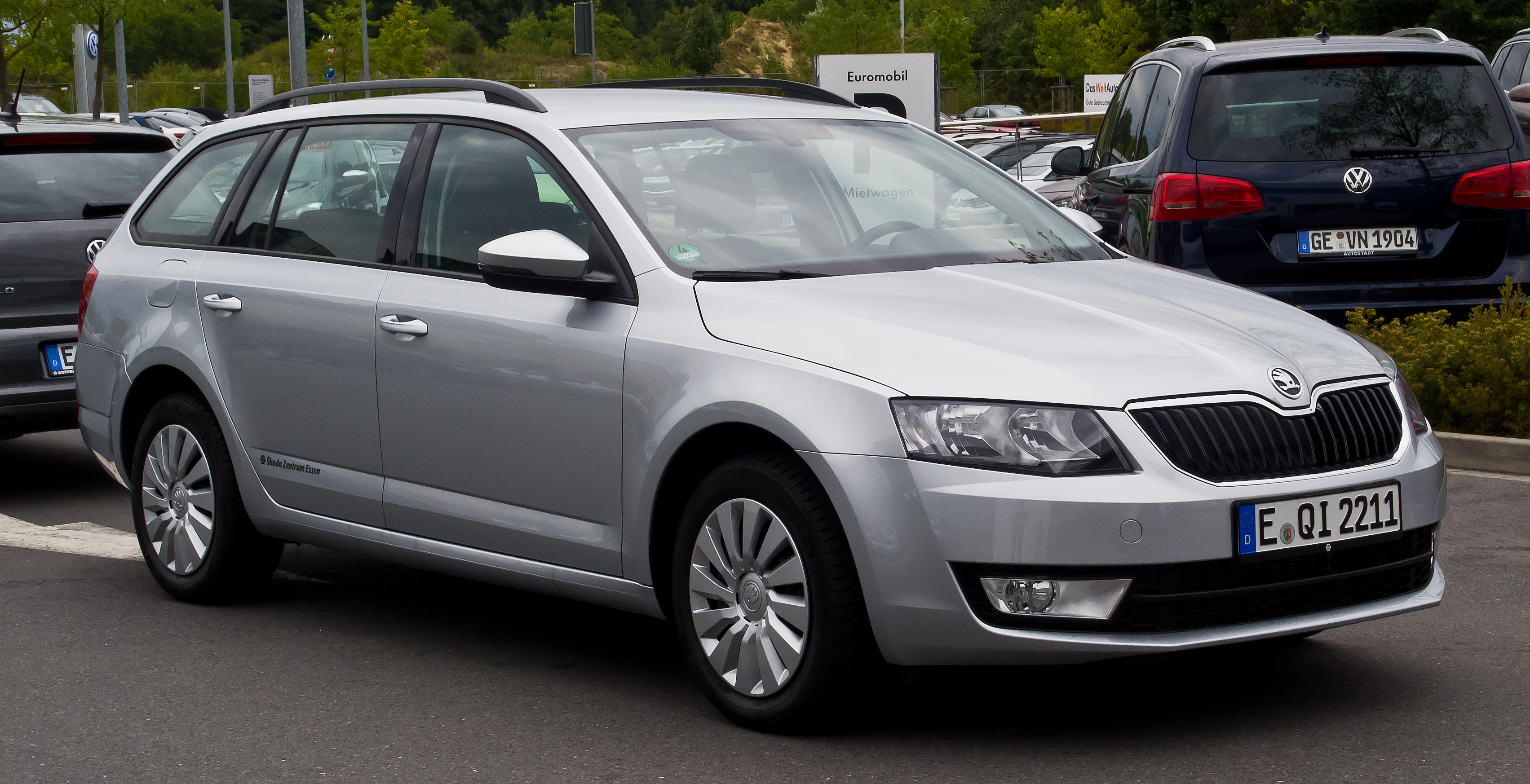 file skoda octavia combi 1 6 tdi ambition iii frontansicht 11 august 2013. Black Bedroom Furniture Sets. Home Design Ideas