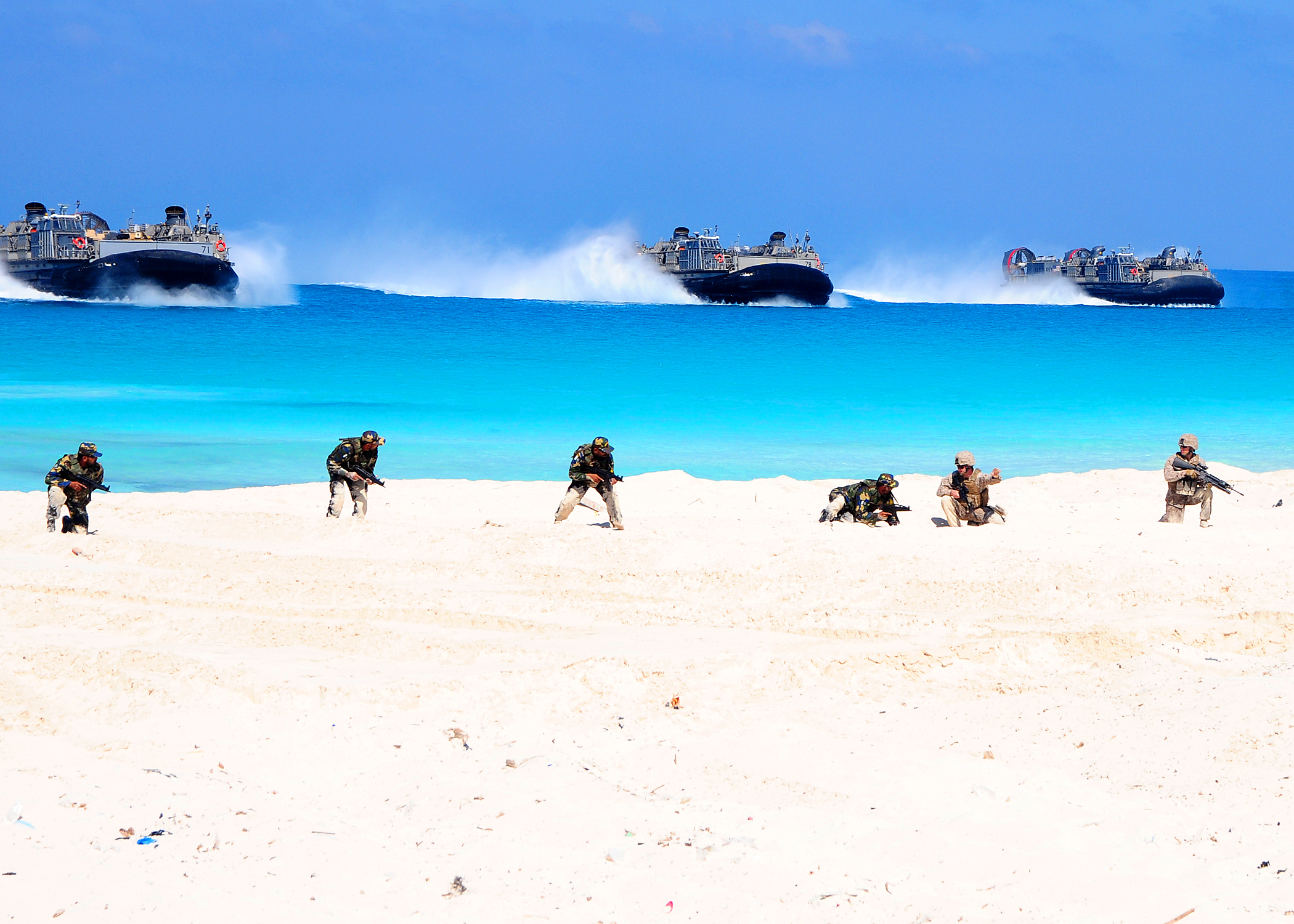 File:US Navy 091012-N-8132M-172 Marines assigned to the ...