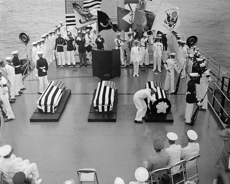 File:Unknown Serviceman ceremony aboard USS Canberra (CAG-2) on 26 May 1958 (NH 54118).jpg