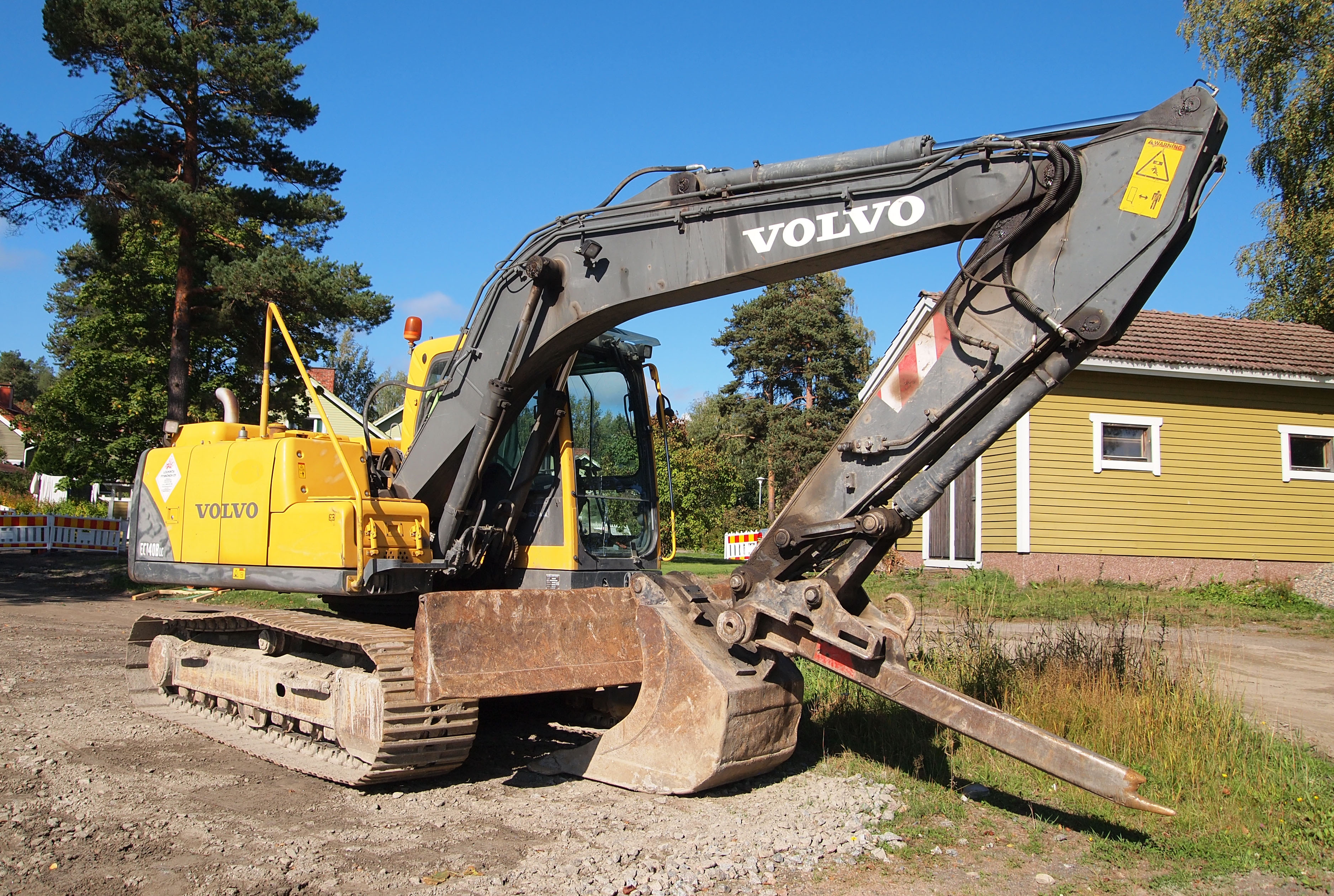 File:Volvo excavator 3 jpg - Wikimedia Commons