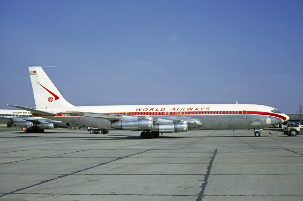World_Airways_Boeing_707_Volpati-2.jpg