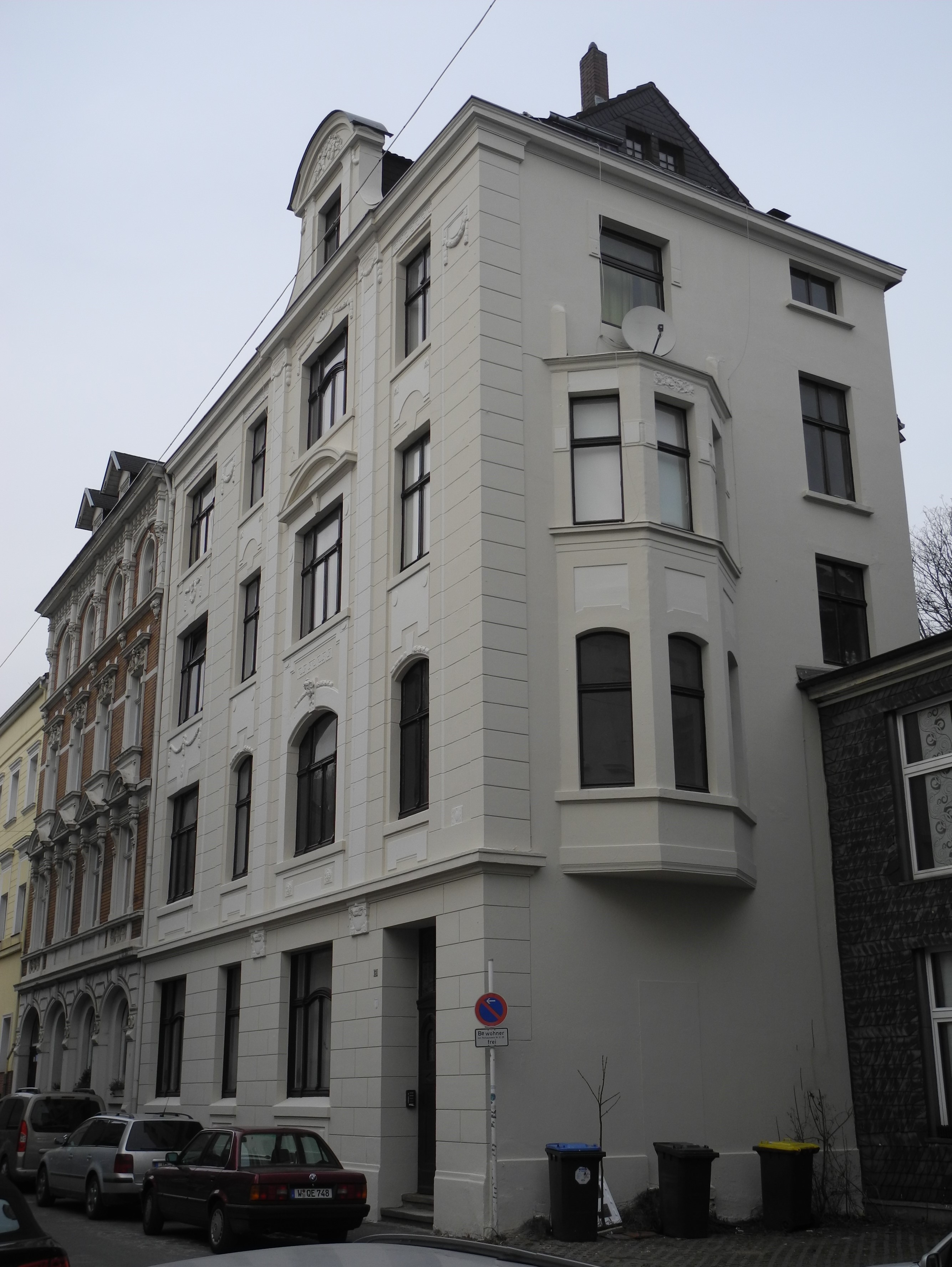 File:Wuppertal, Haarhausstr. 13, über Eck.jpg - Wikimedia Commons