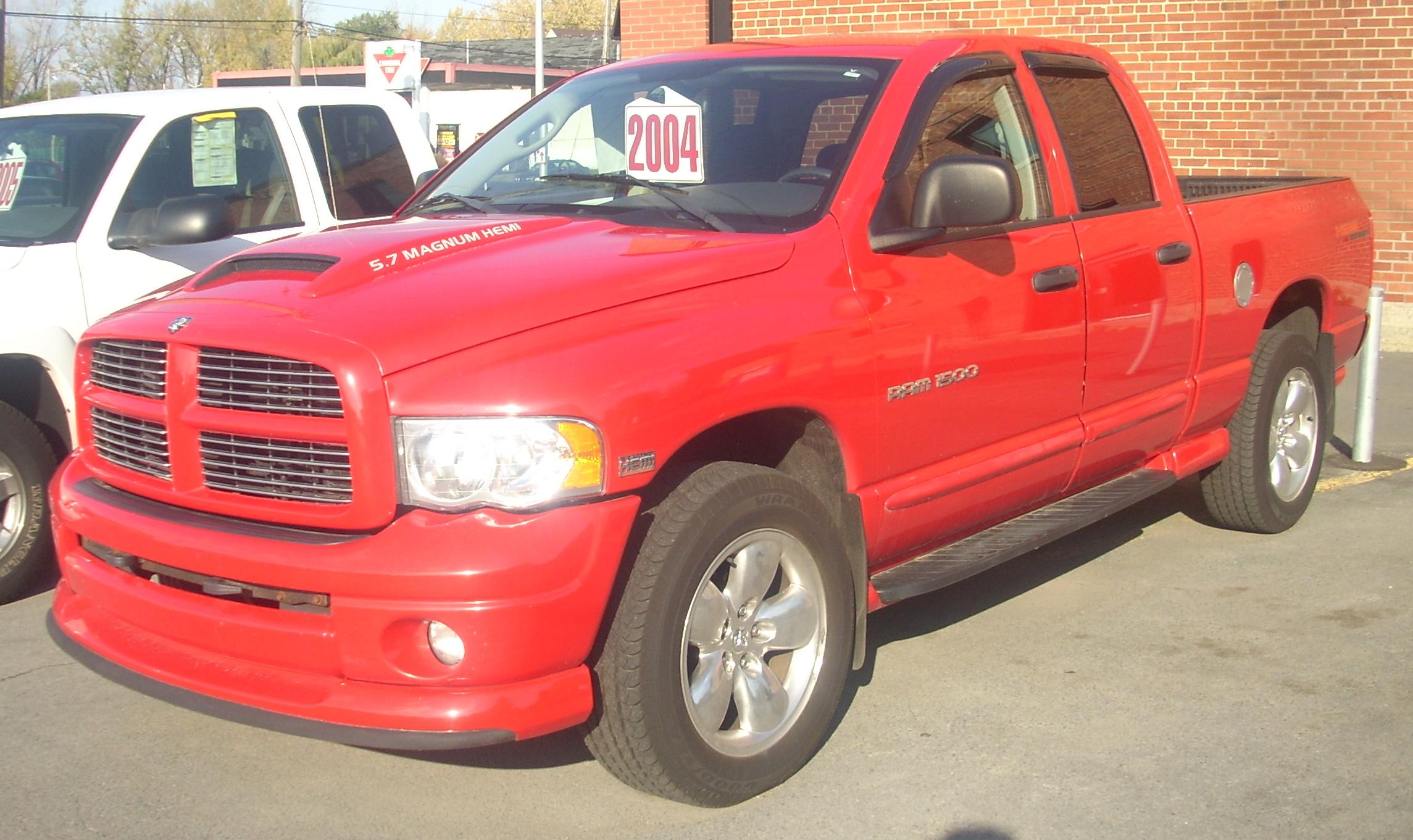 File 04 Dodge Ram 1500 Hemi Crew Cab Jpg Wikimedia Commons