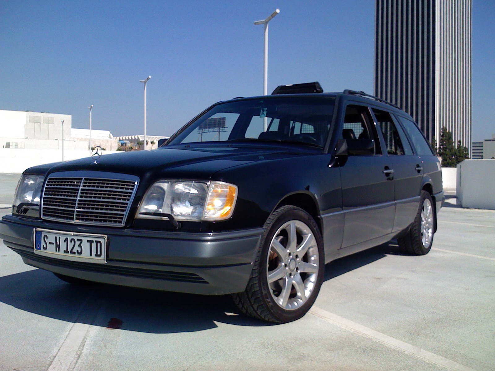1987 mercedes 300e with File 1995 Mercedes W124 Wagon on 2237226 besides 2105713 W126 Color Paint Codes Best Site further 275315 Sistema Electrico Mercedes 190 additionally Watch likewise Gear Ratios.