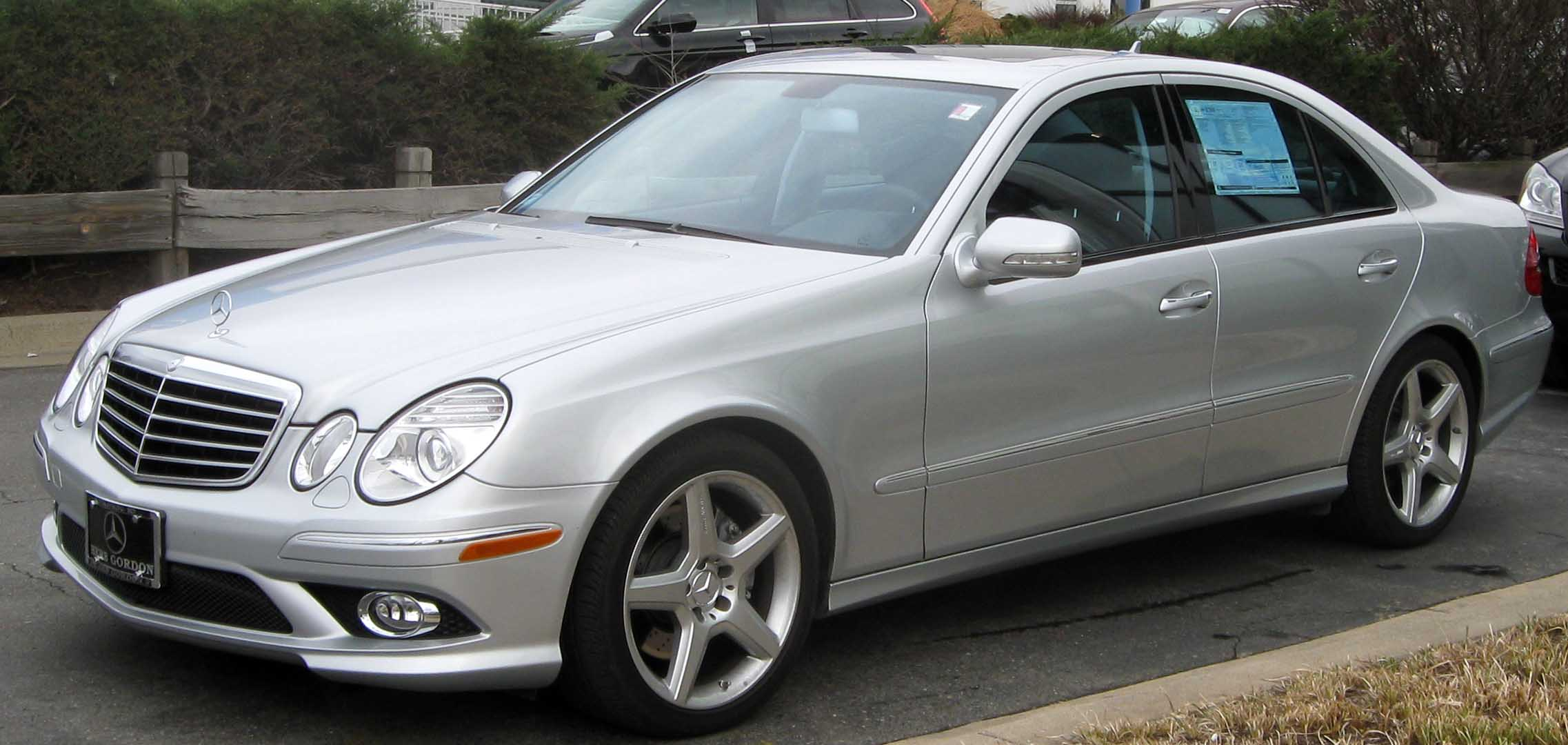 File:2009 Mercedes Benz E350