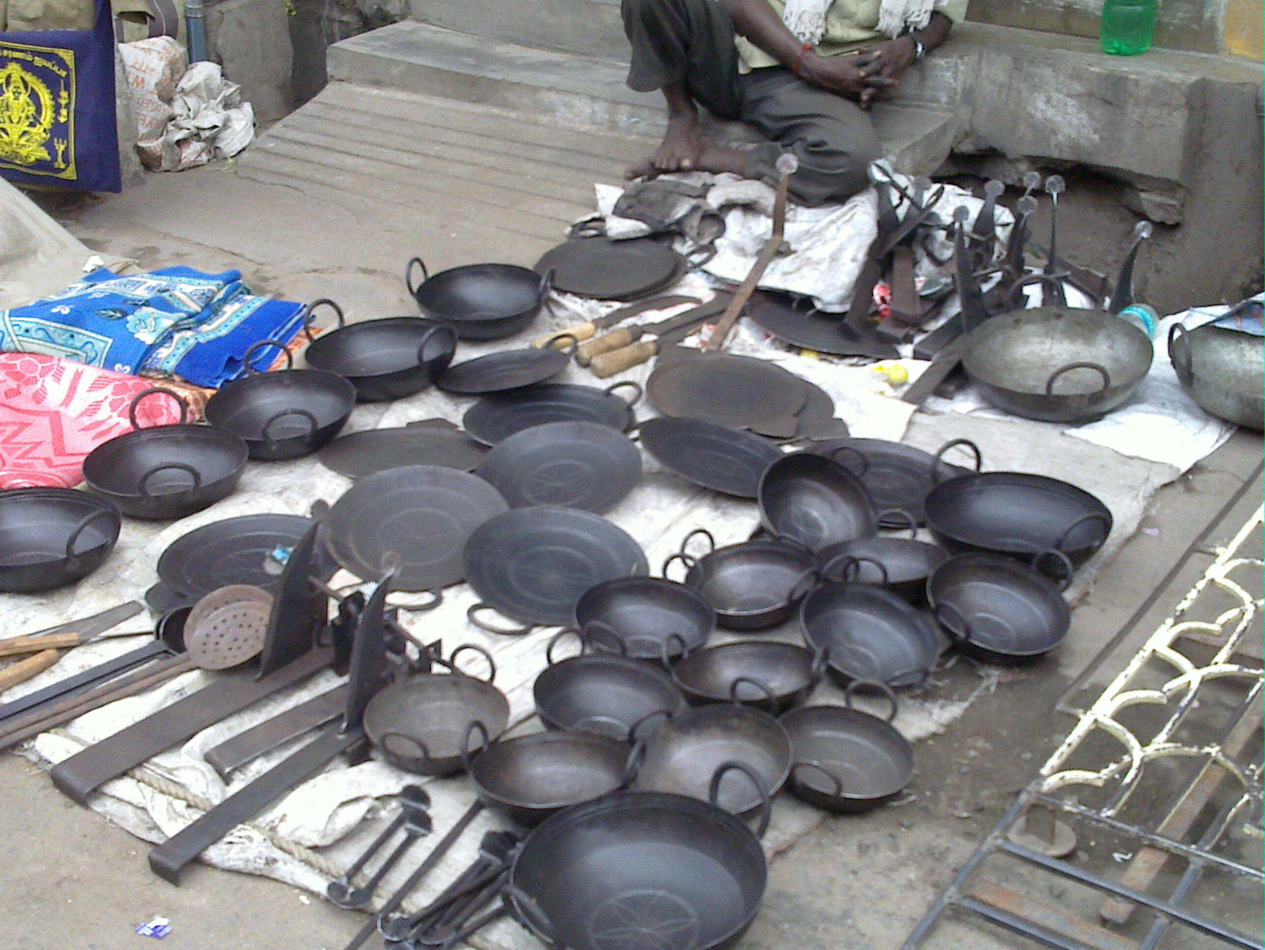 File:A  Steel Kitchen Vessels