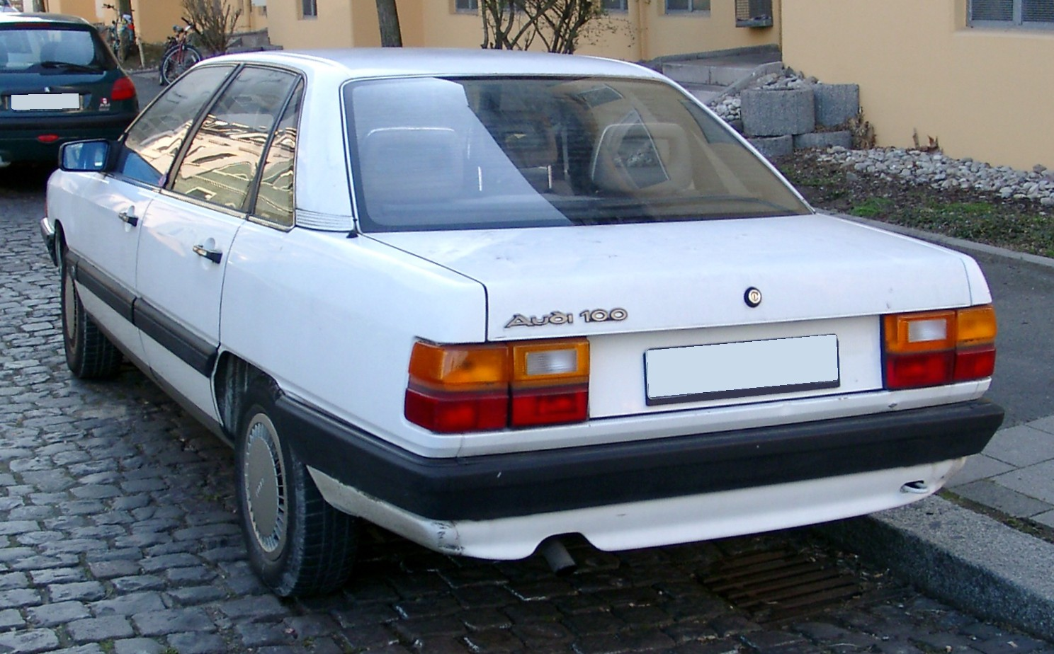 File:Audi 100 C3 rear 20080212.jpg - Wikimedia Commons