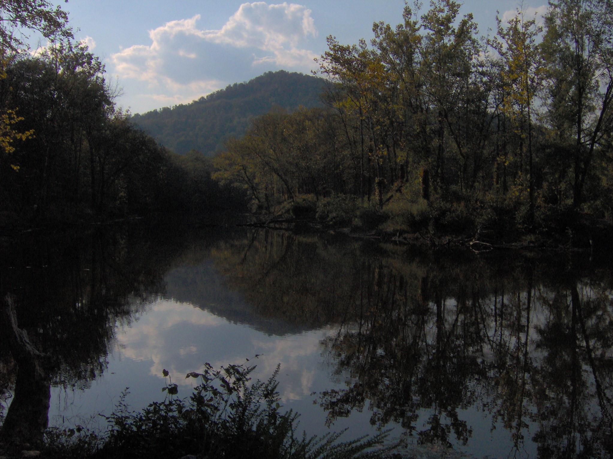 Jellico (TN) United States  city images : Ballard lake jellico tn1 Wikimedia Commons
