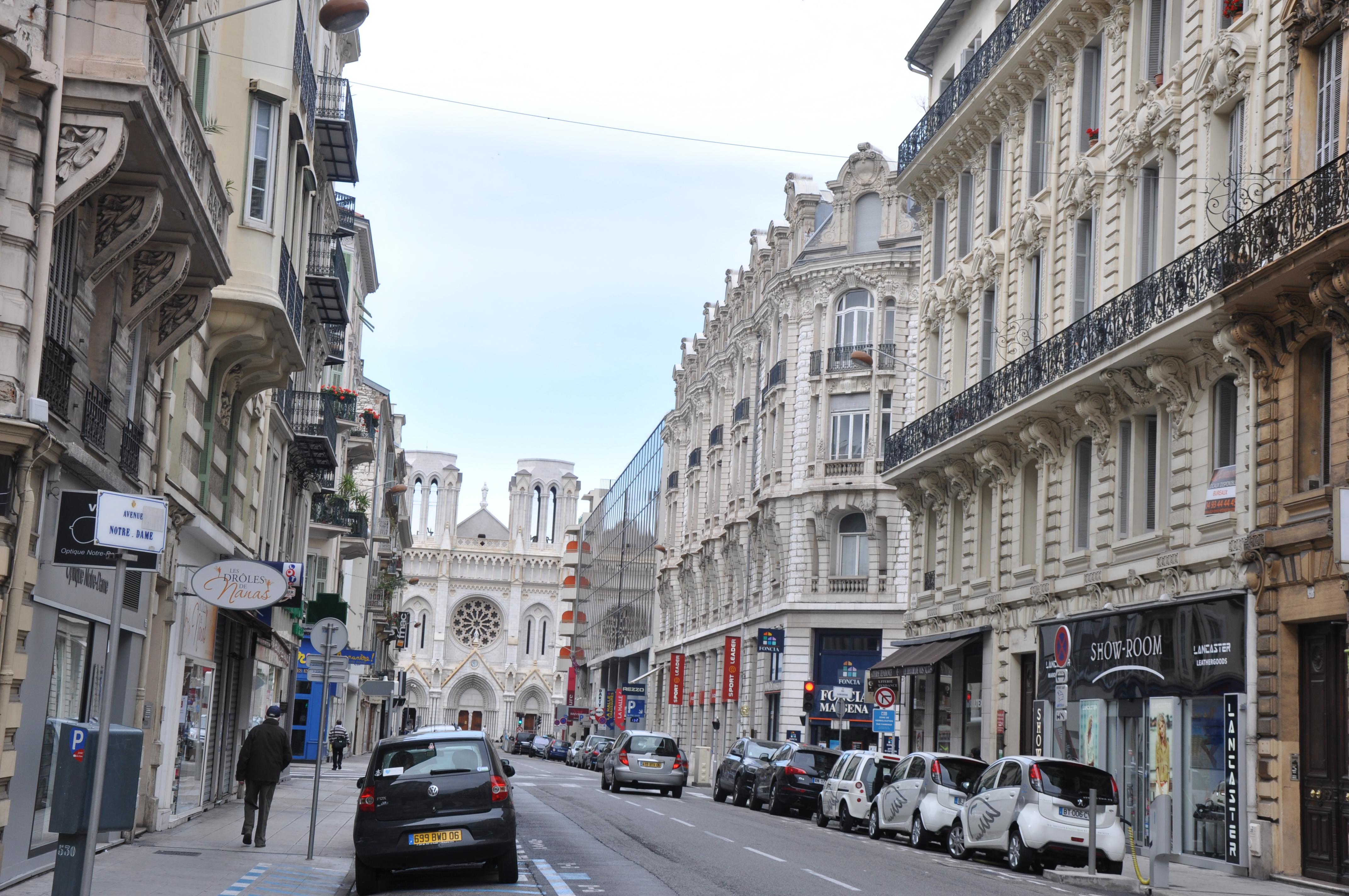 FileBasilique NotreDame, 37 Avenue JeanMédecin, Nice
