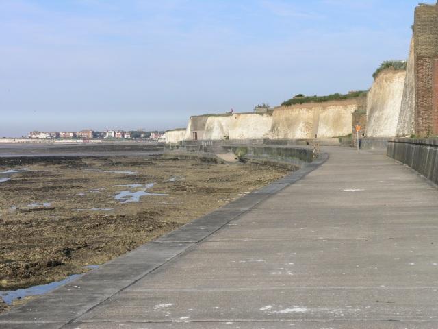 File:Birchington Coastal Path.jpg