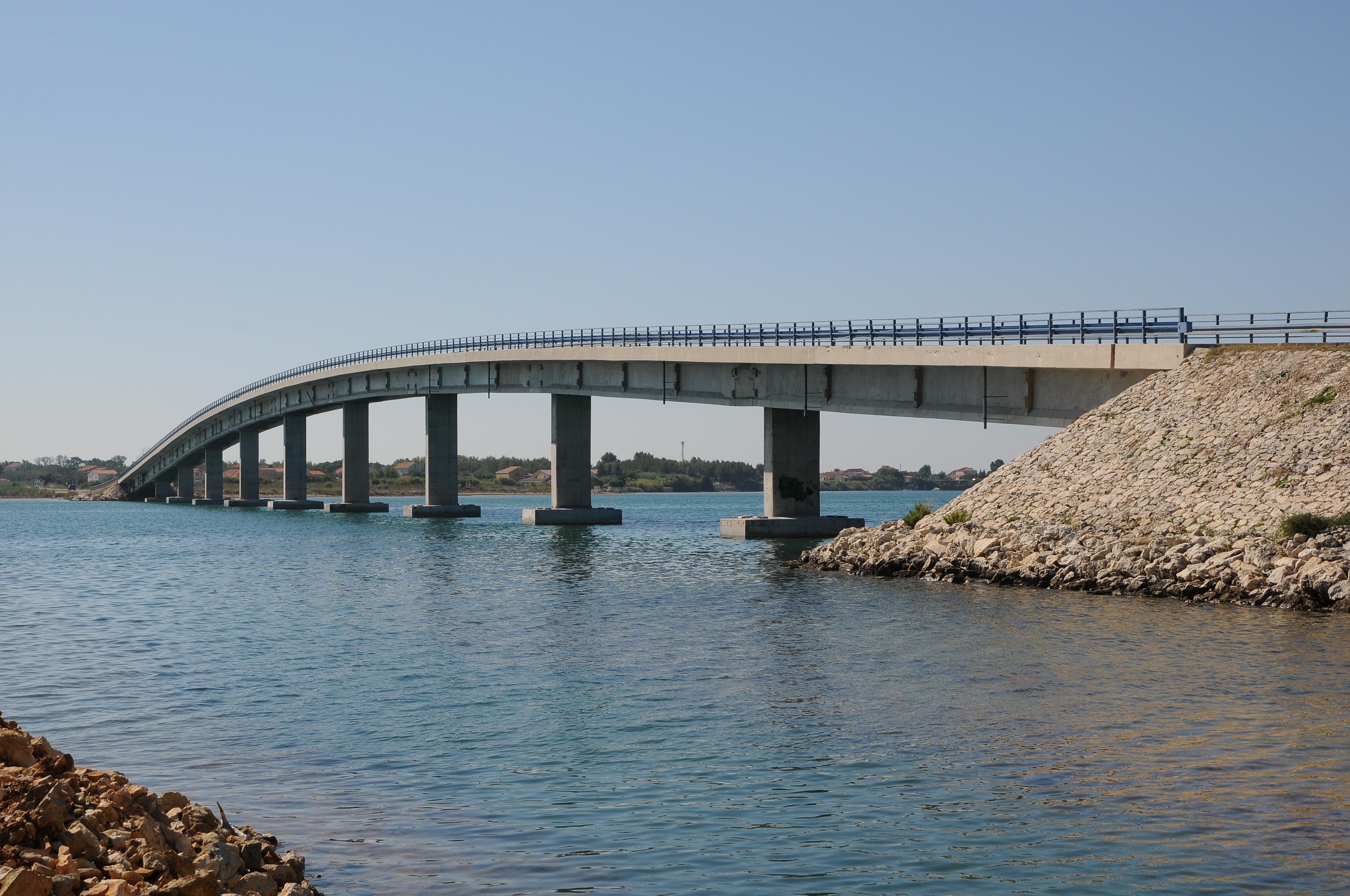 File:Brücke nach Vir, Kroatien.JPG - Wikimedia Commons