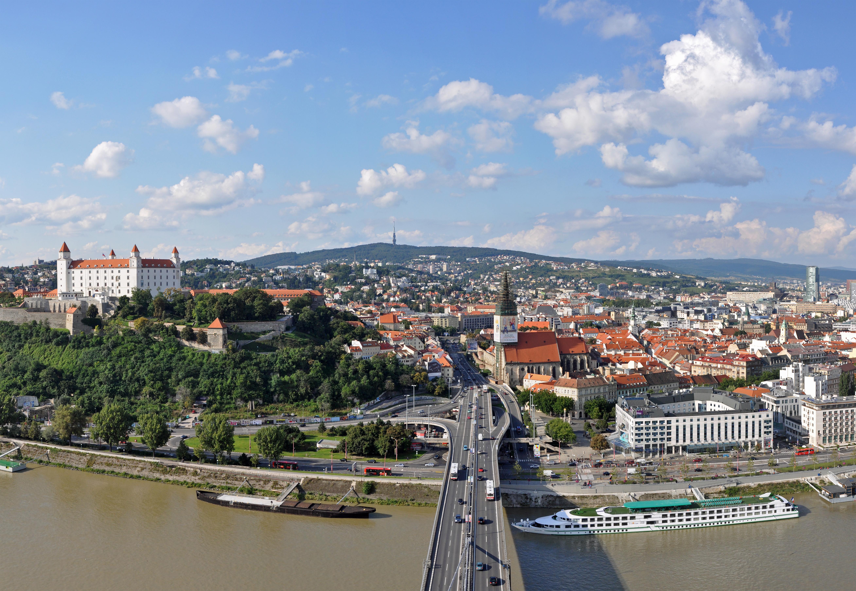 Bratislava Slovakia  city photo : Description Bratislava Panorama R01
