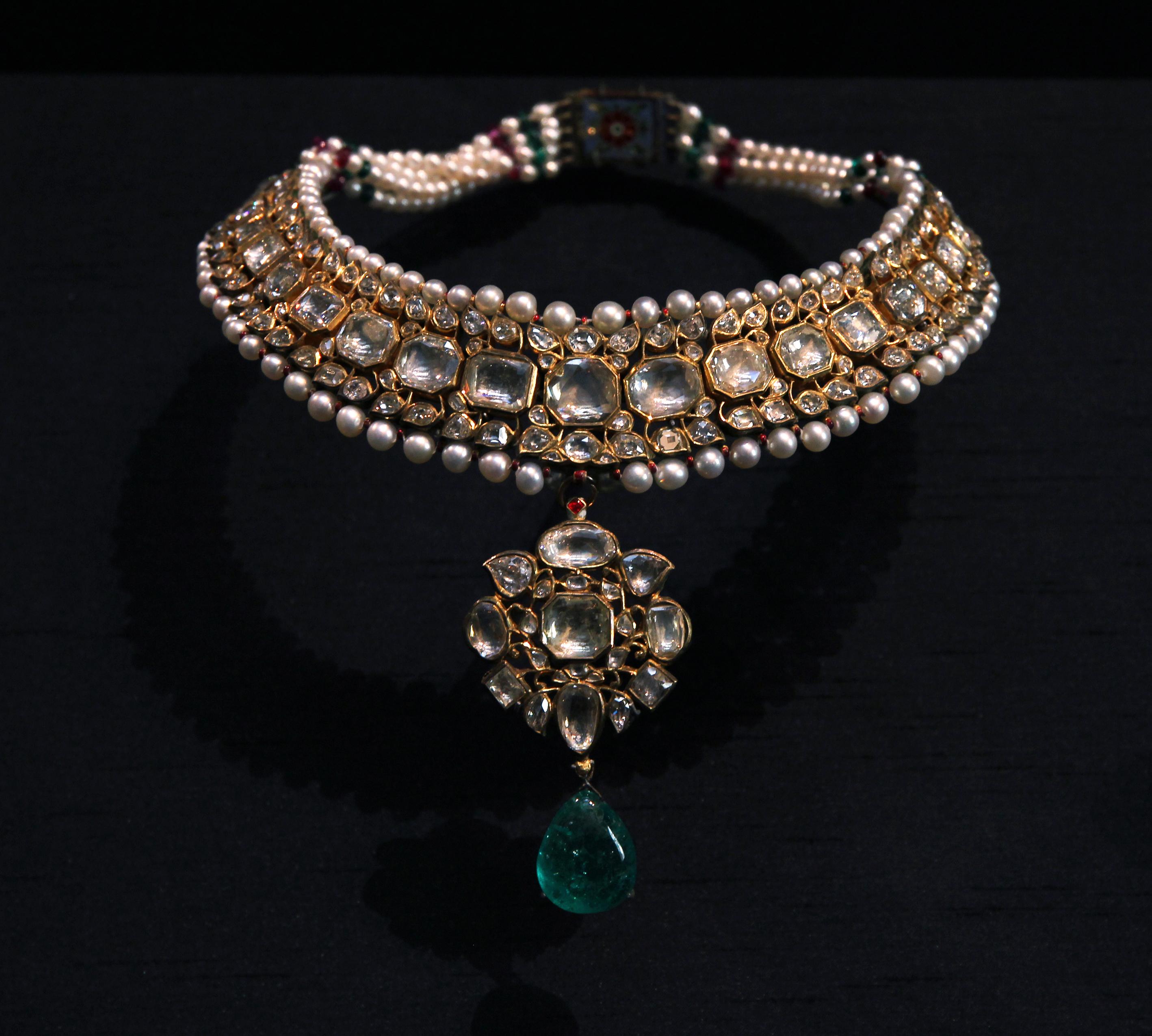 File:British Museum The Islamic world Necklace Kundan India