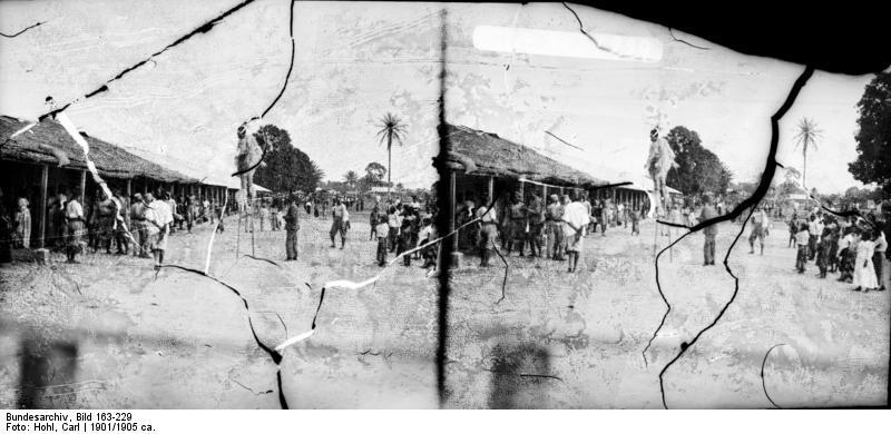 File:Bundesarchiv Bild 163-229, Kamerun, Maskentanz der Duala.jpg