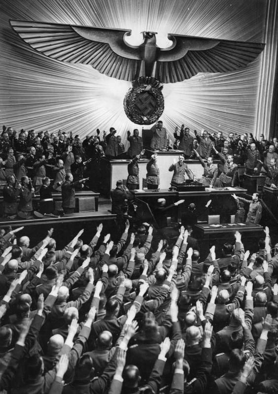 Bundesarchiv Bild 183-B06275, Berlin, Reichstagssitzung, Rede Adolf Hitler.jpg
