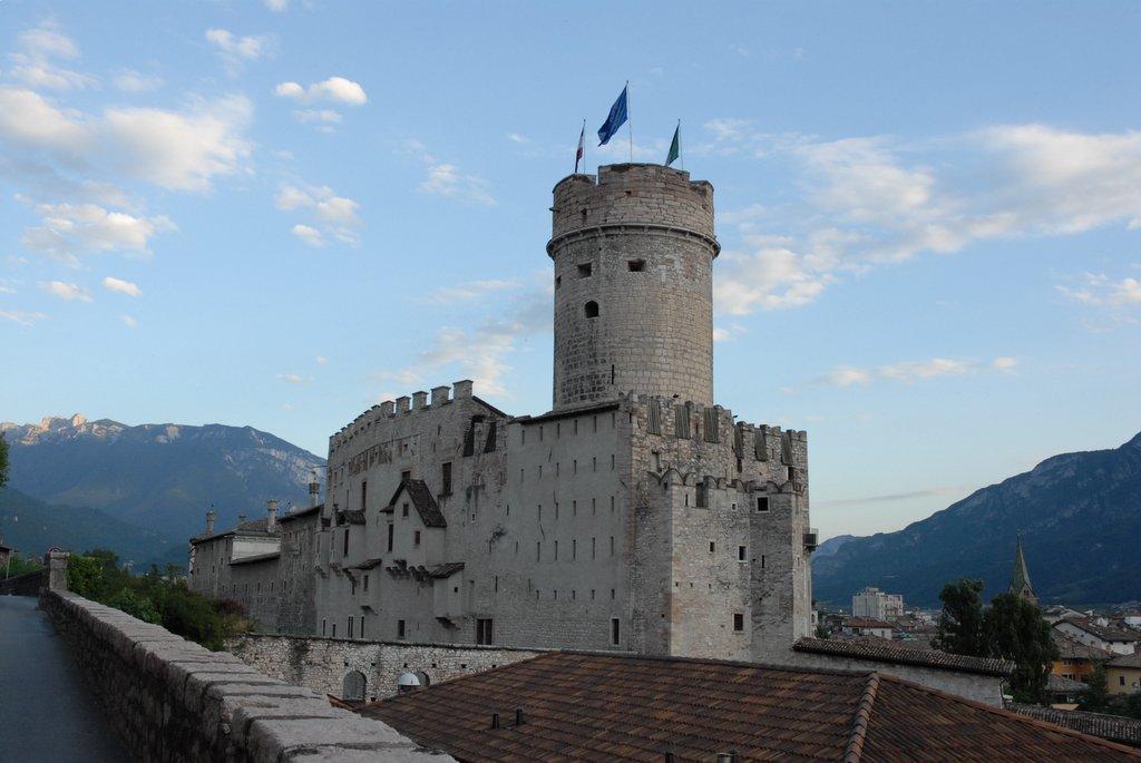 Trento Italy  city photos gallery : Castello Buonconsiglio Back Trento Italy Wikipedia, the ...