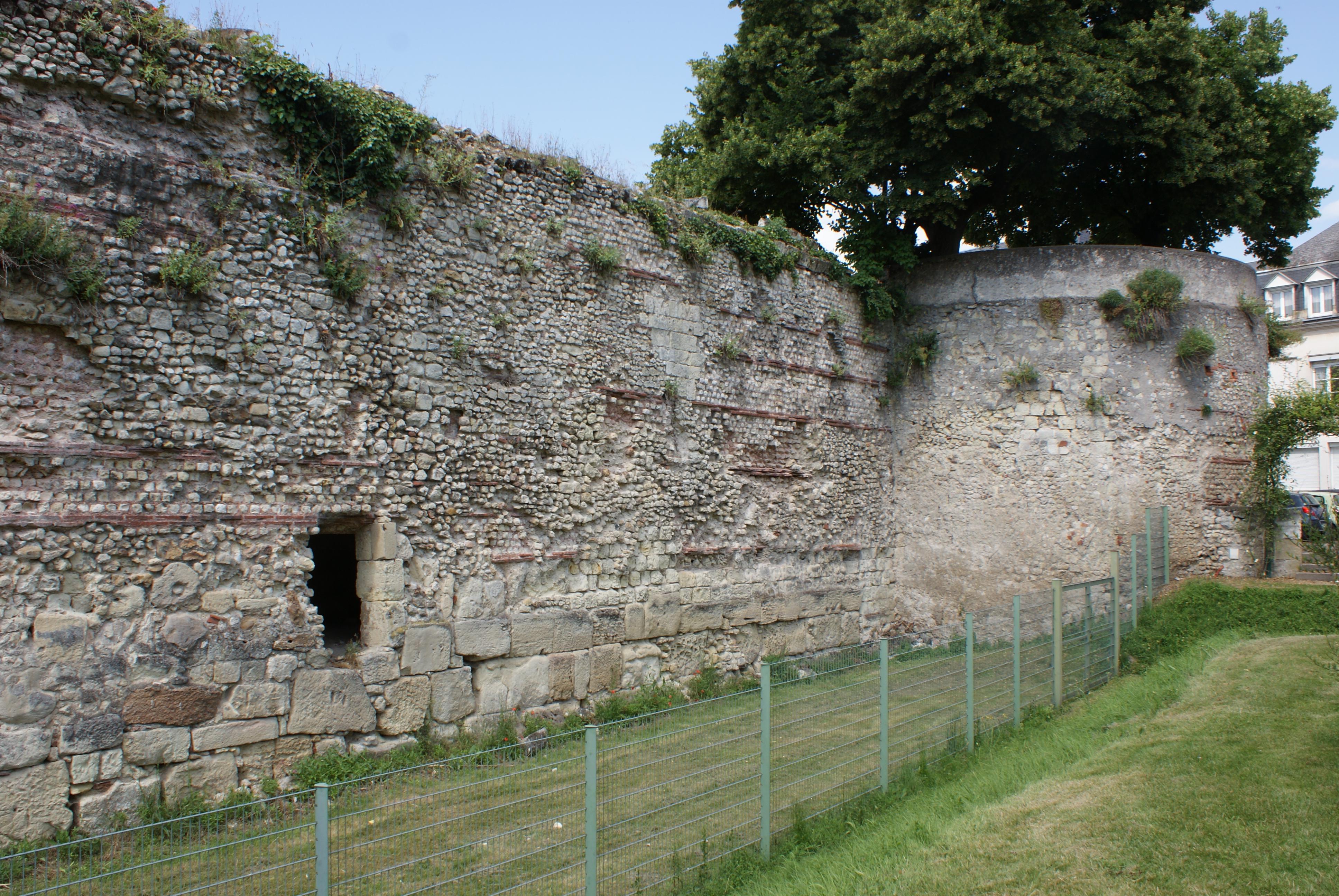 Périmètre Du Mur D Aurélien enceinte gallo-romaine de tours — wikipédia