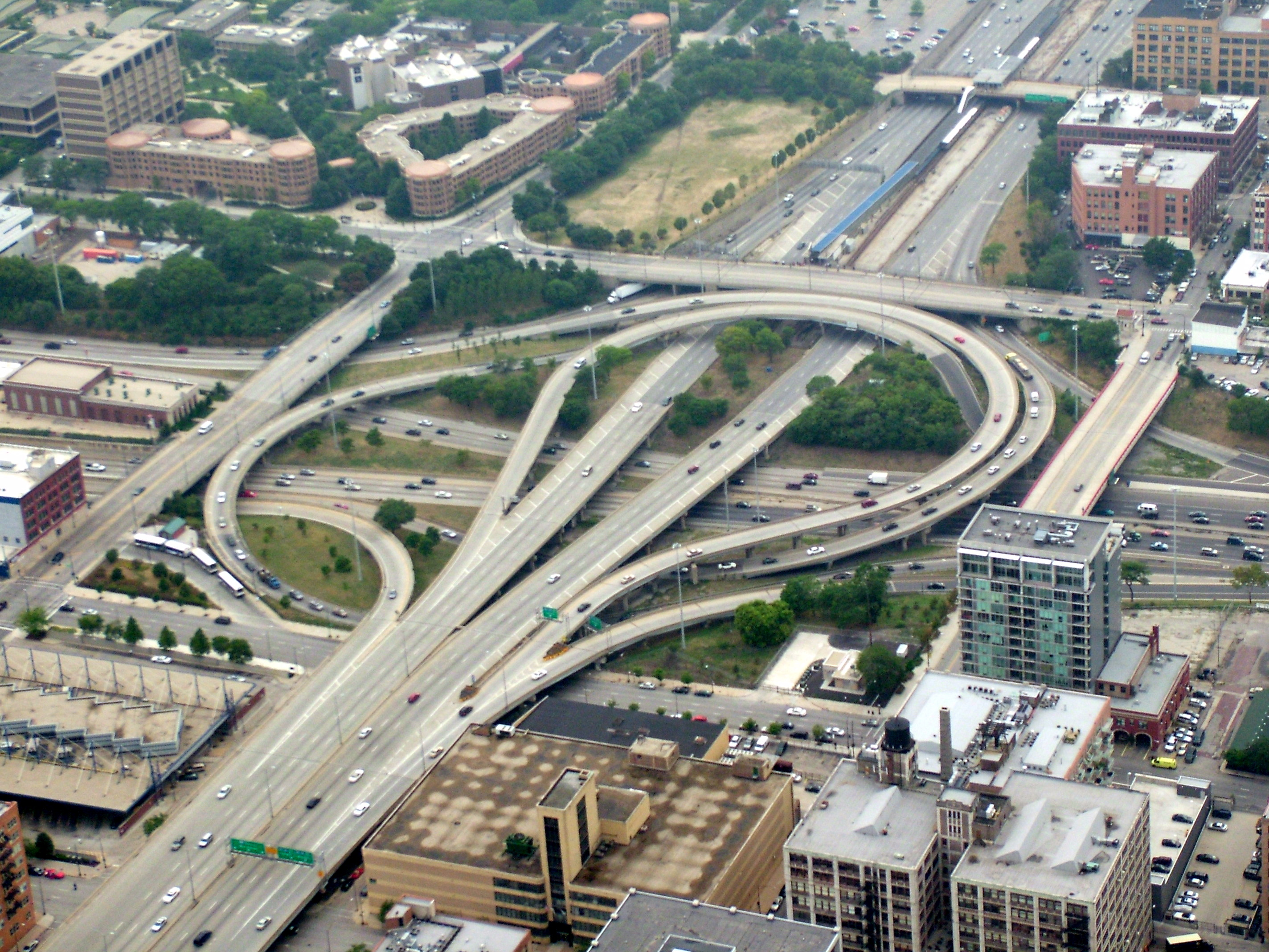 "Overhead photo of the Circle Interchange in Chicago. Photo by Stratosphere. <a href=""https://creativecommons.org/licenses/by-sa/4.0/"">(CC BY-SA 4.0)</a>"