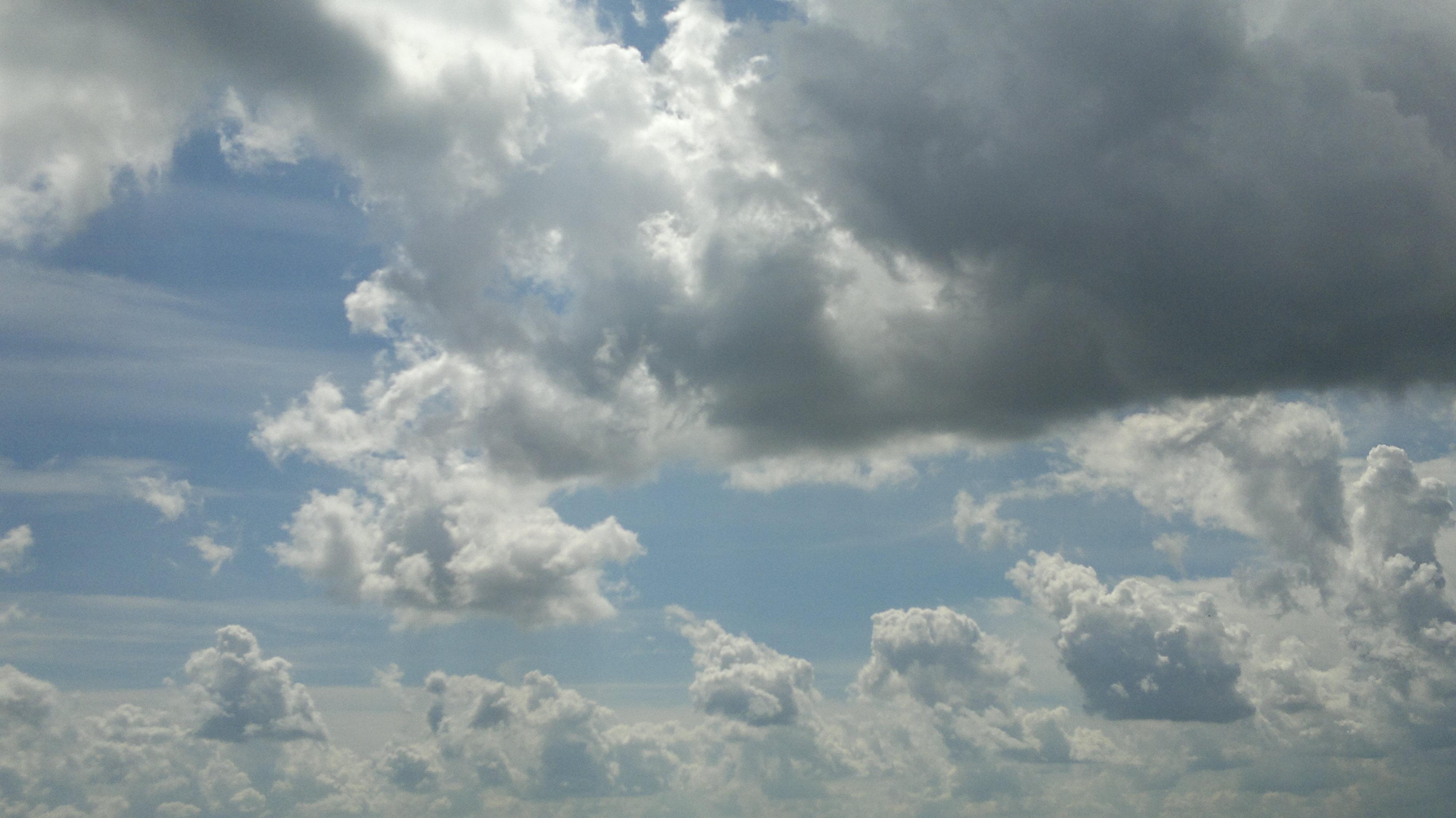 Description cloudy sky over bergamo