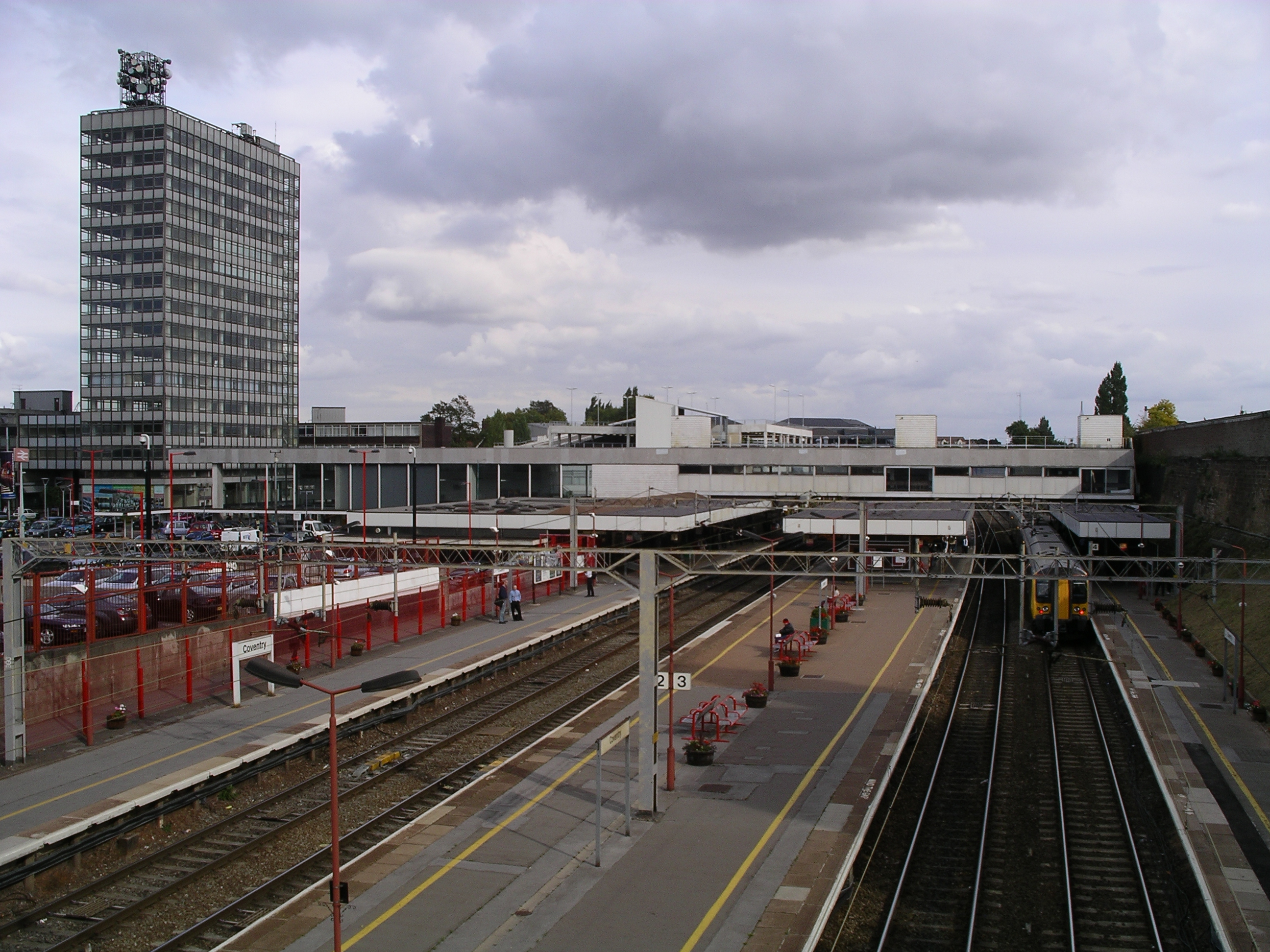 Cov Railway Station 18s07