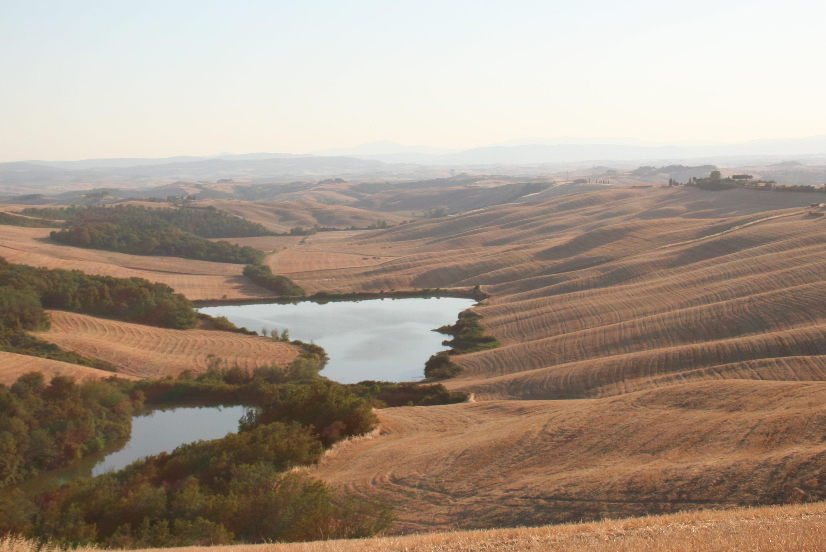 Crete Senesi (laghi tra Castello Leonina e Vescona, Crete Senesi, Asciano)