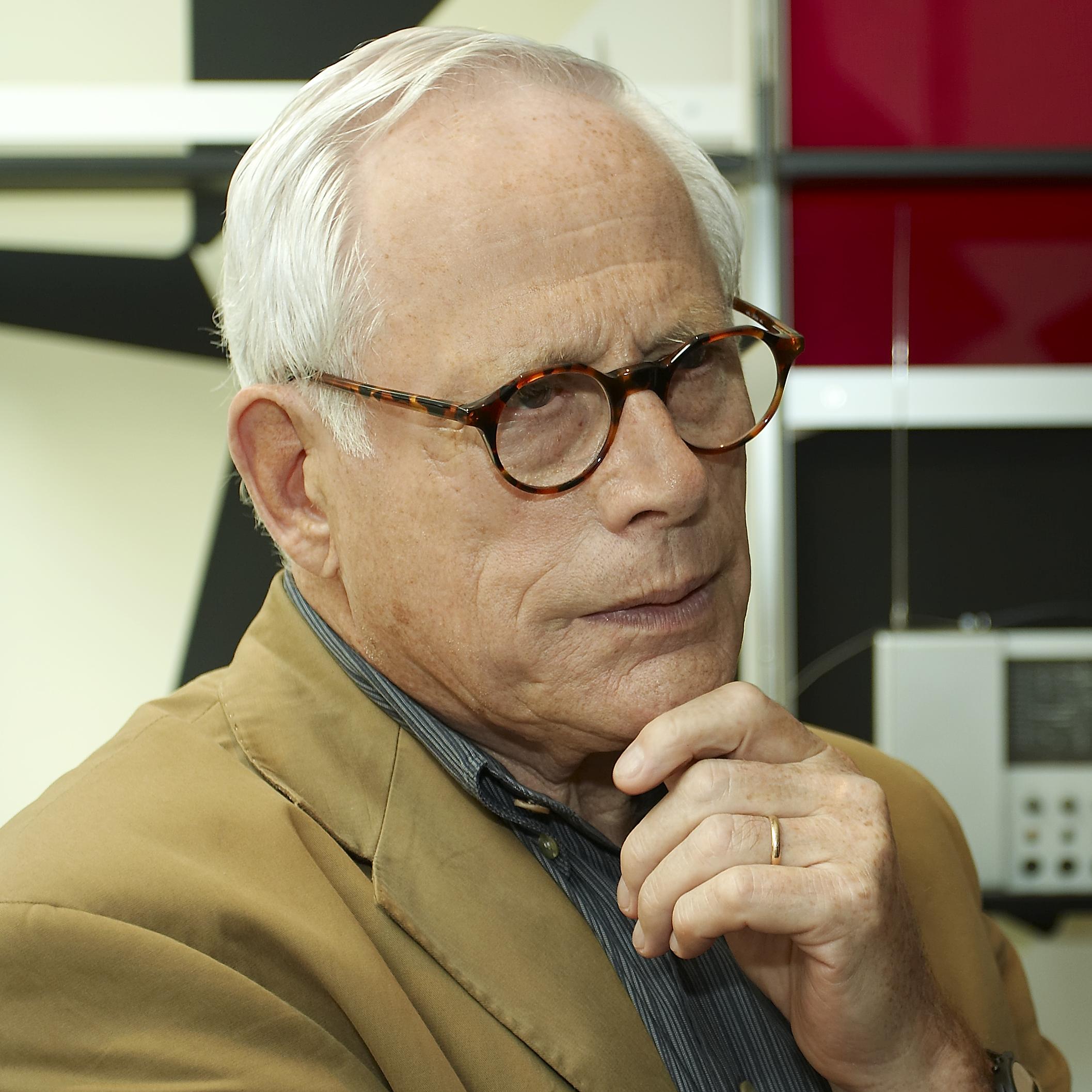 Dieter Rams Portrait