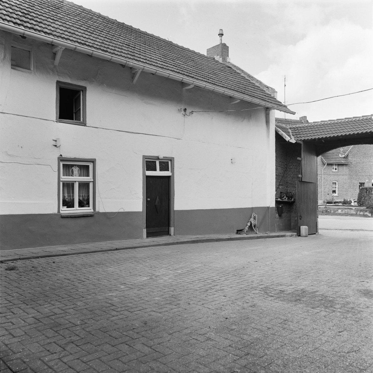 File exterieur gevel woonhuis aan de binnenplaats groot welsden 20303827 - Decoratie exterieur gevel ...