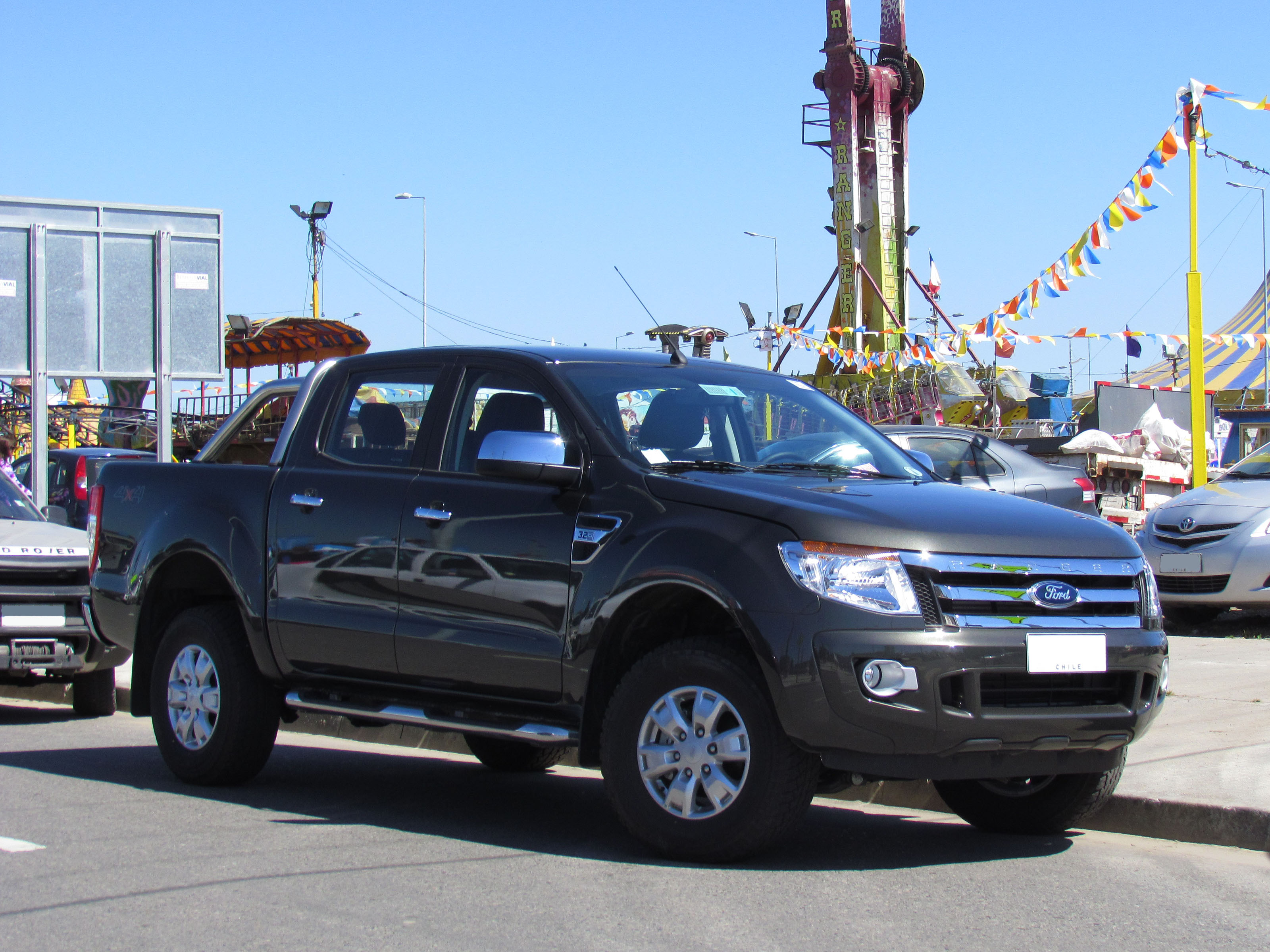 Photos additionally Rhinoman Canopies further 59 Ford Ranger Raptor Aftermarket Kit Debuts In Bangkok furthermore 52 Nouvel Equipement Sa Chouette G 2013 additionally 2007 Ford Fusion Trims C7302. on 2013 ford ranger