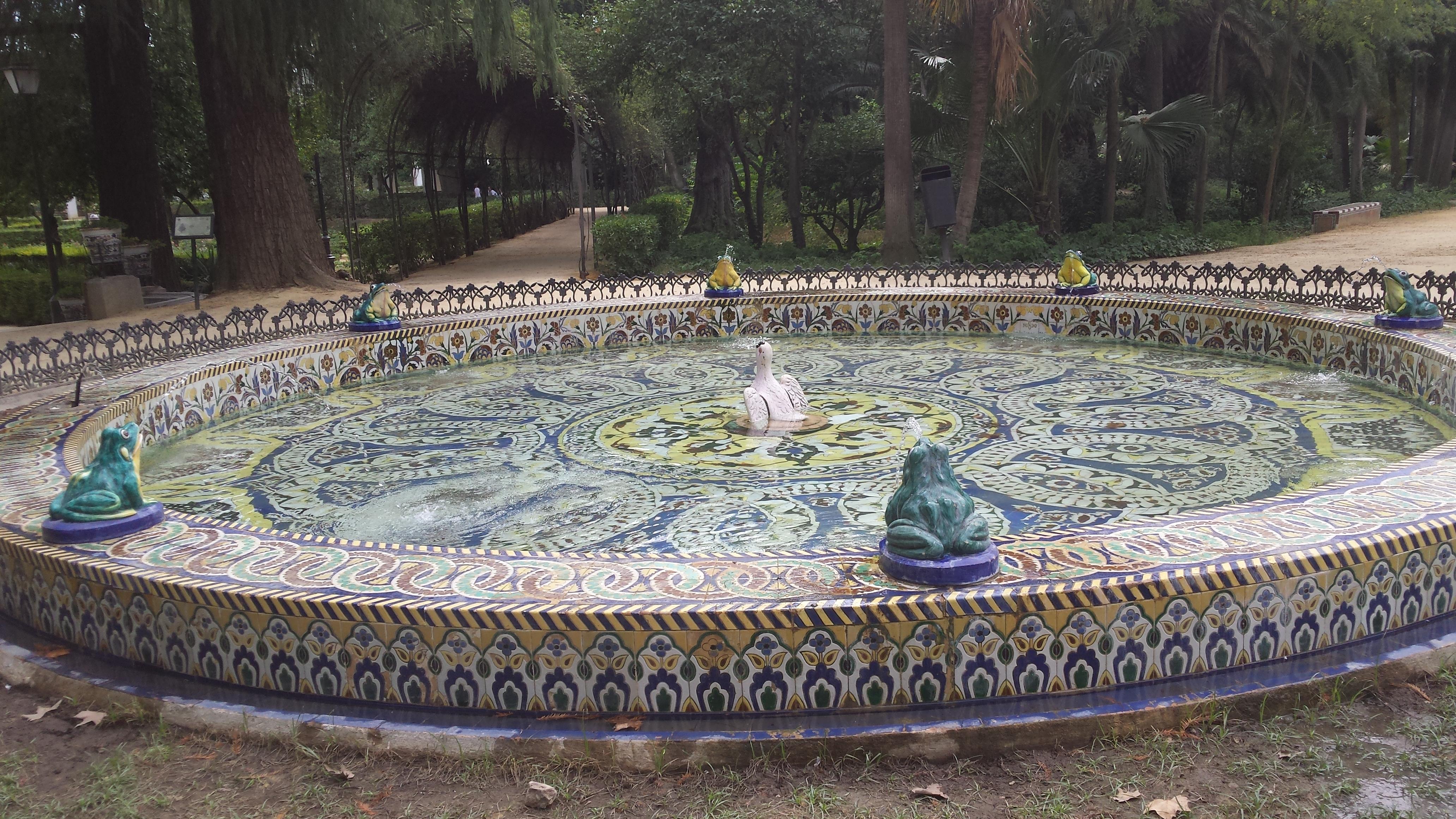 File Fuente De Las Ranas Parque De Maria Luisa Jpg Wikimedia Commons
