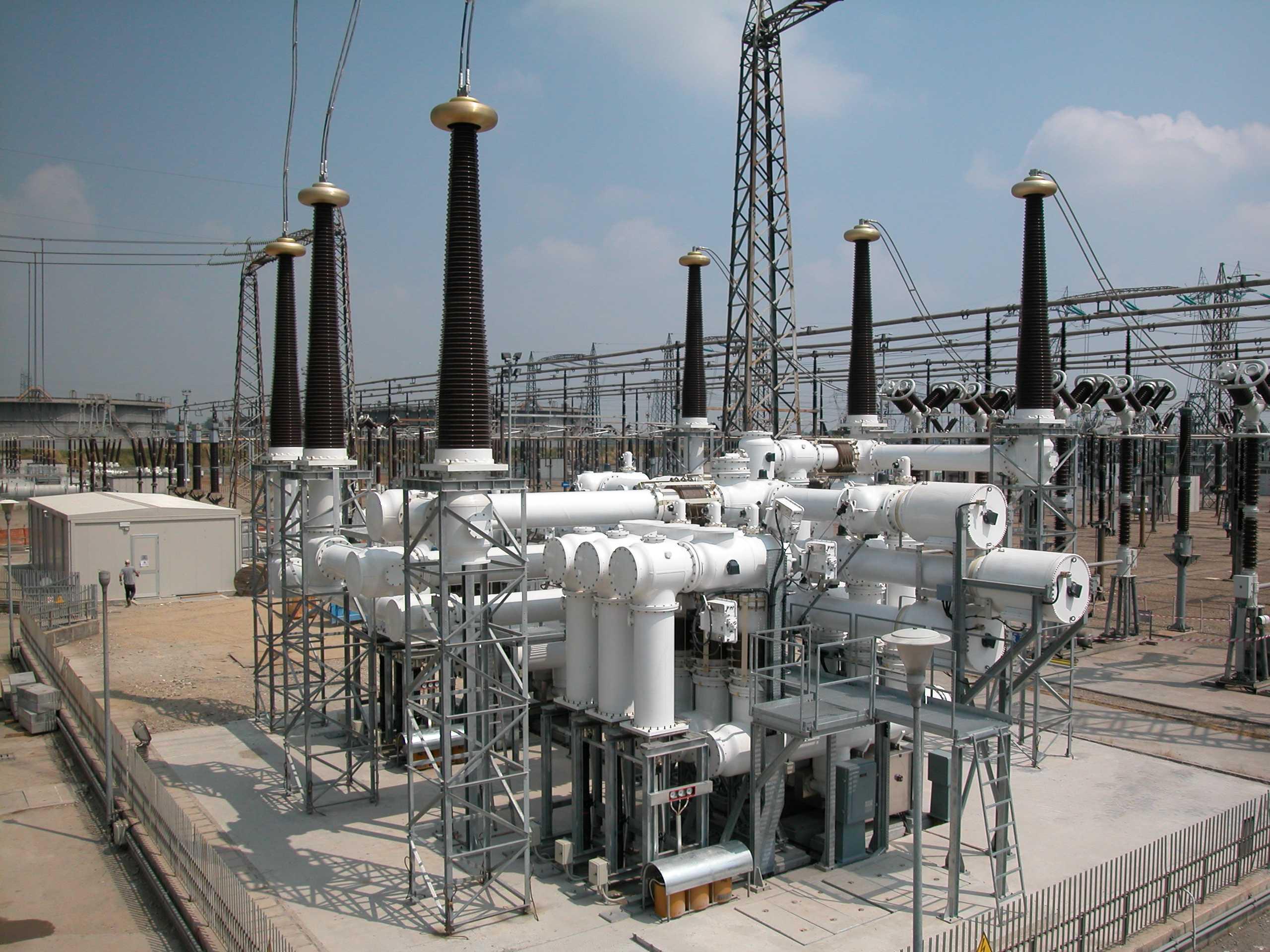 Sulfur hexafluoride gas circuit breakers in a 420 kv switchyard sulfur hexafluoride gas circuit breakers in a 420 kv switchyard 2560 1920 sciox Images