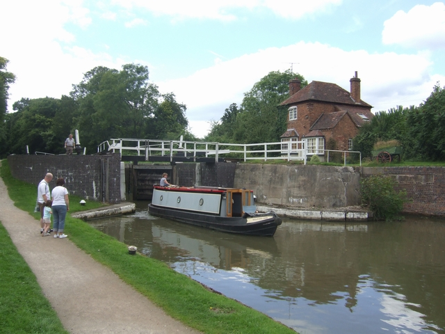 Grand Union Canal - Lock No 46 - Hatton Top Lock - geograph.org.uk - 933603
